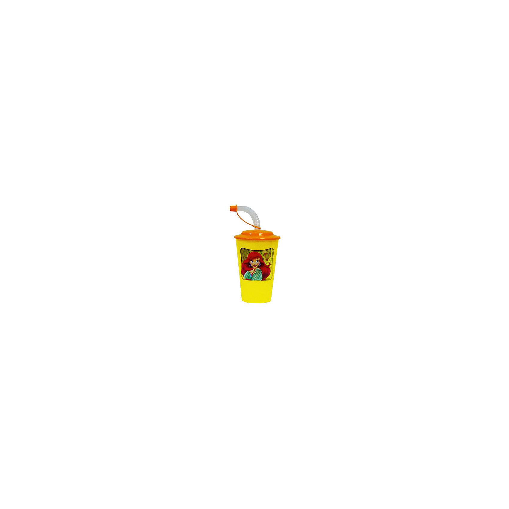 Стакан с крышкой и трубочкой, 500 млСтакан с изображением любимой принцессы обязательно понравится девочкам. Пить из него приятнее вдвойне! Стакан имеет удобную крышку, исключающую проливание и гибкую трубочку с пластиковым закрывающимся наконечником, выполнен из высококачественного экологичного пищевого пластика. Пластиковая посуда - практичная и безопасная, ее можно брать с собой куда угодно, не беспокоясь, что она может разбиться и поранить ребенка.   <br><br>Дополнительная информация:<br><br>- Материал: пластик.<br>- Объем: 500 мл.<br><br>Стакан с крышкой и трубочкой, 500 мл, можно купить в нашем магазине.<br><br>Ширина мм: 110<br>Глубина мм: 90<br>Высота мм: 190<br>Вес г: 65<br>Возраст от месяцев: 36<br>Возраст до месяцев: 144<br>Пол: Женский<br>Возраст: Детский<br>SKU: 4761396