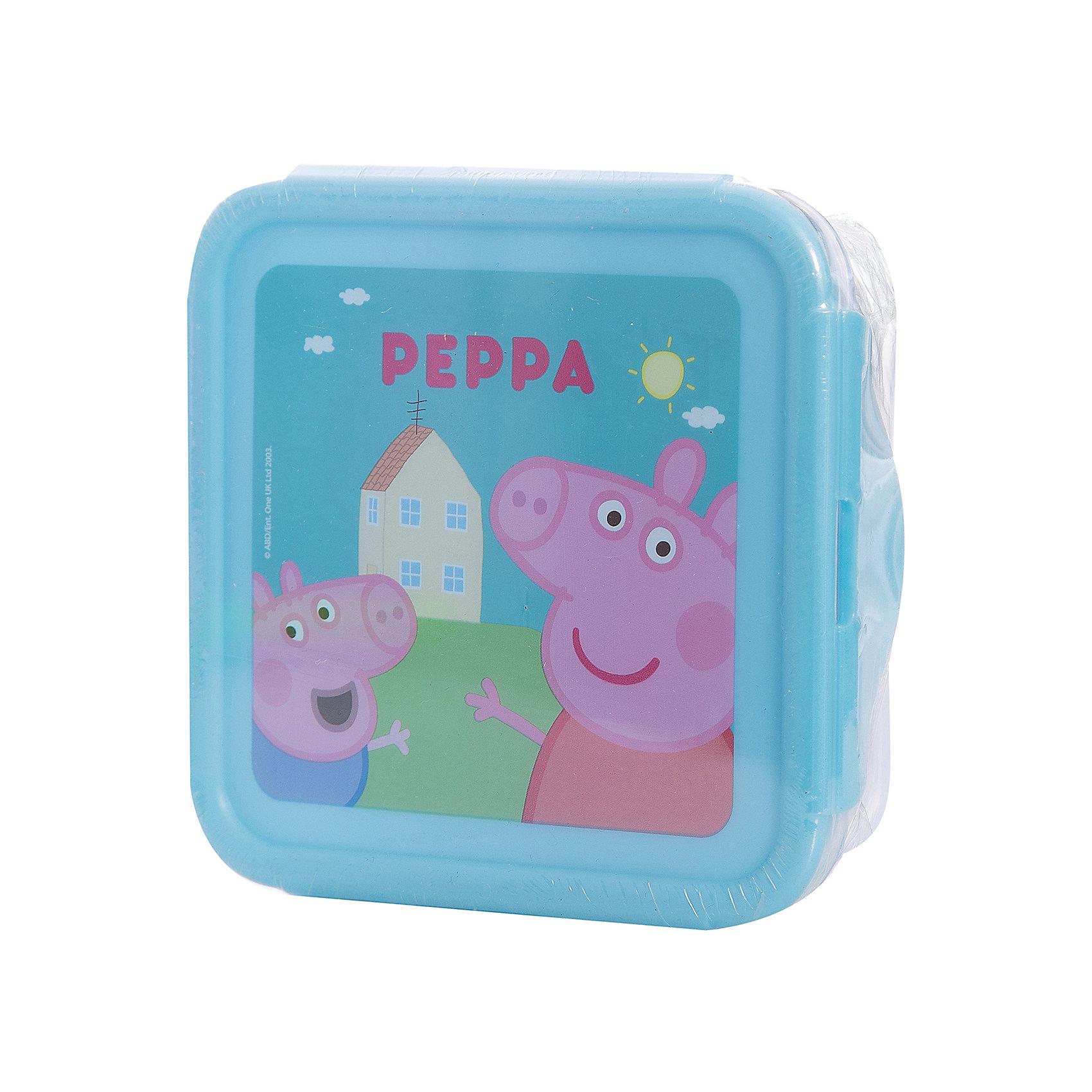 Универсальный контейнер, Свинка ПеппаБутылки для воды и бутербродницы<br>Контейнер с изображением веселой свинки Пеппы прекрасно подойдет для хранения любых мелочей или же его можно использовать как бутербродницу. Контейнер выполнен из высококачественного пищевого пластика, имеет удобную крышку с замками, которые легко и удобно открываются. <br><br>Дополнительная информация:<br><br>- Материал: пластик.<br>- Размер: 13х13х5 см.<br>- Удобные замки. <br><br>Универсальный контейнер, Свинка Пеппа (Peppa Pig), можно купить в нашем магазине.<br><br>Ширина мм: 130<br>Глубина мм: 130<br>Высота мм: 50<br>Вес г: 96<br>Возраст от месяцев: 36<br>Возраст до месяцев: 144<br>Пол: Унисекс<br>Возраст: Детский<br>SKU: 4761408