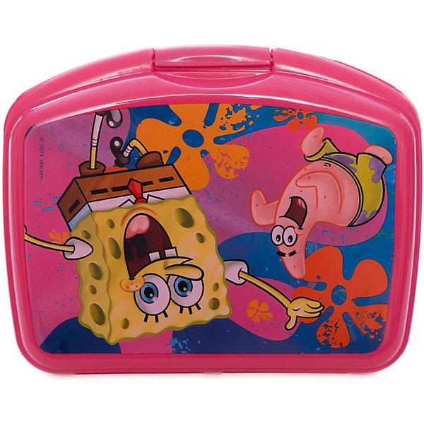 Бутербродница, розовая, Губка БобГубка Боб<br>Бутербродница Губка Боб изготовлена из прочного гипоаллергенного пластика абсолютно безопасного для детей. Пластиковая посуда удобна и практична, ее можно брать с собой куда угодно, не беспокоясь о том, что она может разбиться. Яркий дизайн и изображения любимых героев обязательно порадуют вашего ребенка. Бутербродница - идеальный вариант для хранения детских завтраков, она оснащена удобным замком, с которым сможет справиться даже маленький ребенок, а благодаря твердой конструкции пища не помнется и не раскрошится в рюкзаке или сумке. <br><br>Дополнительная информация:<br><br>- Материал: пластик.<br>- Размер: 16х10х6 см.<br>- Удобный замок (с зажимом).<br><br>Розовую бутербродницу, Губка Боб (SpongeBob), можно купить в нашем магазине.<br>Ширина мм: 165; Глубина мм: 130; Высота мм: 55; Вес г: 100; Возраст от месяцев: 36; Возраст до месяцев: 144; Пол: Унисекс; Возраст: Детский; SKU: 4761414;