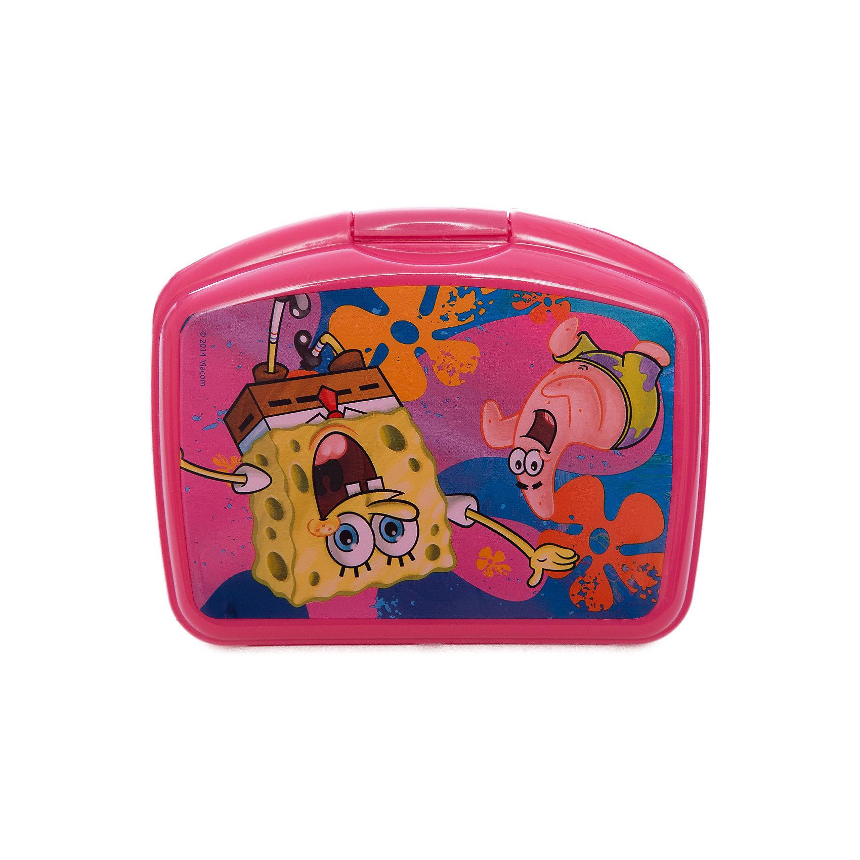 Бутербродница, розовая, Губка БобБутербродница Губка Боб изготовлена из прочного гипоаллергенного пластика абсолютно безопасного для детей. Пластиковая посуда удобна и практична, ее можно брать с собой куда угодно, не беспокоясь о том, что она может разбиться. Яркий дизайн и изображения любимых героев обязательно порадуют вашего ребенка. Бутербродница - идеальный вариант для хранения детских завтраков, она оснащена удобным замком, с которым сможет справиться даже маленький ребенок, а благодаря твердой конструкции пища не помнется и не раскрошится в рюкзаке или сумке. <br><br>Дополнительная информация:<br><br>- Материал: пластик.<br>- Размер: 16х10х6 см.<br>- Удобный замок (с зажимом).<br><br>Розовую бутербродницу, Губка Боб (SpongeBob), можно купить в нашем магазине.<br><br>Ширина мм: 165<br>Глубина мм: 130<br>Высота мм: 55<br>Вес г: 0<br>Возраст от месяцев: 36<br>Возраст до месяцев: 144<br>Пол: Унисекс<br>Возраст: Детский<br>SKU: 4761414