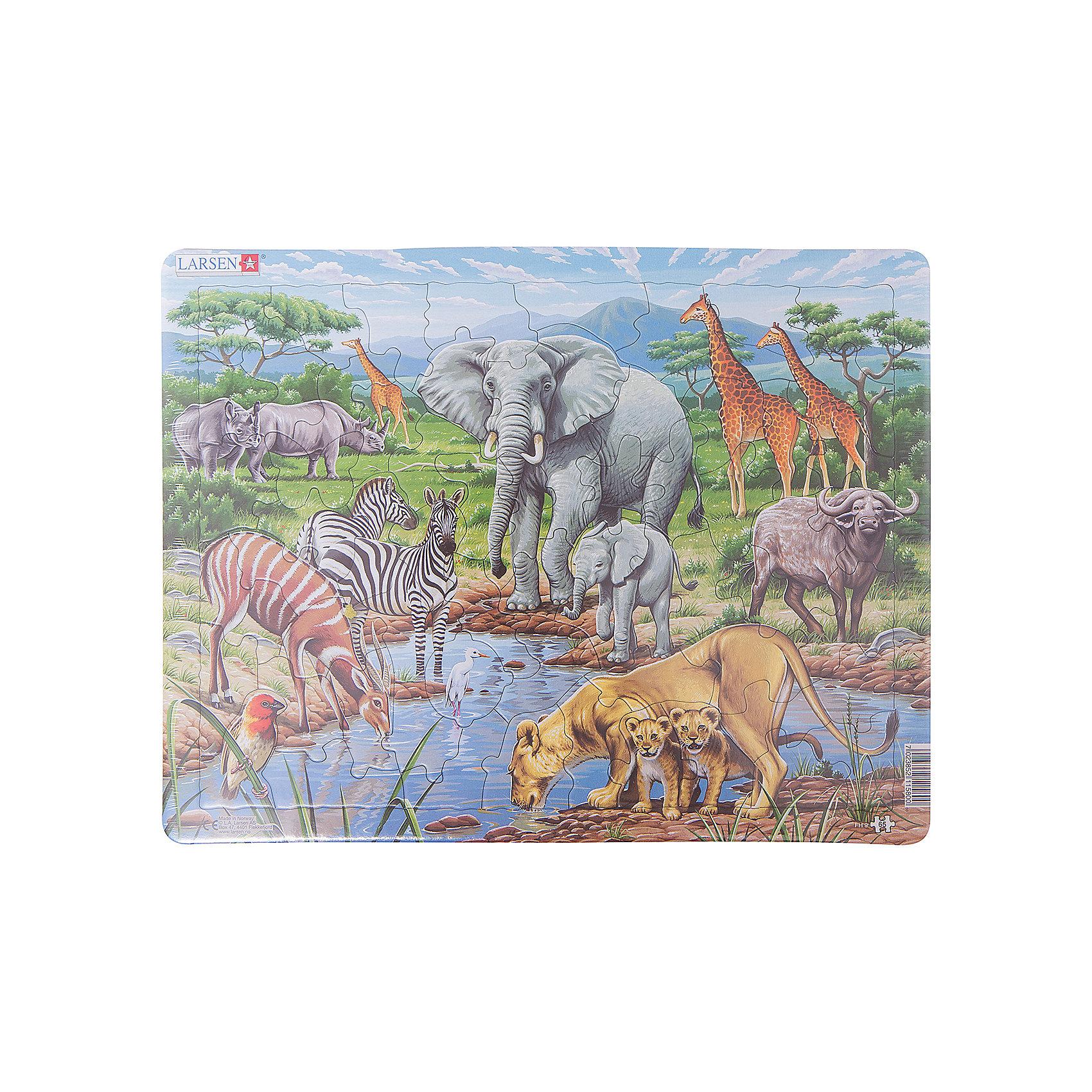Пазл Африканская саванна, 65 деталей, LarsenПазлы Ларсен - это прежде всего обучающие пазлы.  Яркая серия Флора и Фауна предназначена для детей от 6 лет. С фотографической точностью прорисованы обитатели и растительный мир самых отдаленных уголков планеты.  Многообразие форм вырубки и различные размеры отдельных элементов способствуют развитию мелкой моторики у малышей.  Сделанные из высококачественного трехслойного картона, они не деформируются и легко берутся в руки. Животные вокруг пруда. Виды: носороги, жирафы, слон и слонёнок, зебры, буйвол, антилопа, львица со львятами. Все пазлы снабжены специальной подложкой, благодаря чему их удобно собирать. В наборе: 65 элементов пазла.<br><br>Ширина мм: 365<br>Глубина мм: 5<br>Высота мм: 285<br>Вес г: 320<br>Возраст от месяцев: 36<br>Возраст до месяцев: 1188<br>Пол: Унисекс<br>Возраст: Детский<br>SKU: 4761478
