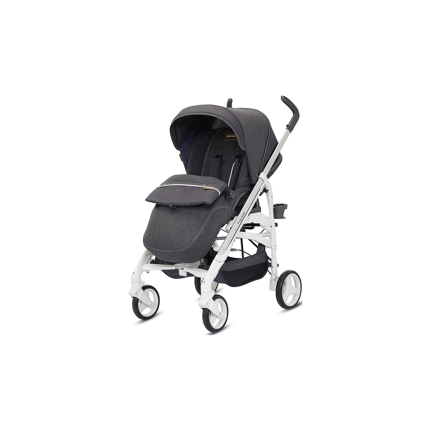 Прогулочная коляска Inglesina Trilogy, DenimПрогулочные коляски<br>Прогулочная коляска Trilogy - прекрасный вариант для малышей и их родителей! Модель имеет прочную алюминиевую раму, систему амортизации, передние поворотные колеса, с возможностью фиксации. Модель легко складывается, имеет ножной тормоз и небольшую ширину шасси, благодаря которой коляска войдет даже в самый узкий дверной проем. С помощью системы Easy Clips, прогулочный блок одним движением руки устанавливается и снимается с шасси. Прогулочный блок переставляется лицом к маме или по направлению движения Удобное сиденье, объемный капюшон со смотровым окошком, регулируемые подножка и спинка обеспечат малышу спокойный и комфортный отдых, а пятиточечные страховочные ремни с мягкими накладками и съемный бампер гарантируют безопасность. Чехол прогулочного блока выполнен из прочных материалов, он легко снимается и стирается в теплой воде. <br><br>Дополнительная информация:<br><br>- Материал: пластик, резина, текстиль, алюминий.<br>- Тип складывания: трость. <br>- Размер в разложенном виде: 83х57х107 см. <br>- Размер в сложенном виде: 48х37х97 см.<br>- Ширина шасси: 57 см.<br>- Количество колес: 4.<br>- Колеса с подшипниками. <br>- Диаметр колес: передних - 17,5 см; задних - 20,5 см.<br>- Вес: 9,5 кг.<br>- Передние колеса поворотные с возможностью фиксации. <br>- Регулируемая спинка (в 4-хположениях, до горизонтального).<br>- Регулируемая подножка (в 2-х положениях).<br>- 5-титочечные ремни безопасности.<br>- Съемный бампер.<br>- Капюшон со смотровым окошком. <br>- Регулируемая по высоте ручка. <br>- Максимальный вес ребенка: 15 кг. <br>- Вместительная корзина для вещей. <br>- Комплектация: накидка на ножки, дождевик, подстаканник. <br><br>Прогулочную коляску Trilogy, Inglesina (Инглезина), Denim, можно купить в нашем магазине.<br><br>Ширина мм: 1000<br>Глубина мм: 324<br>Высота мм: 415<br>Вес г: 13150<br>Возраст от месяцев: 6<br>Возраст до месяцев: 36<br>Пол: Унисекс<br>Возраст: Детский<br>SKU: 4764224