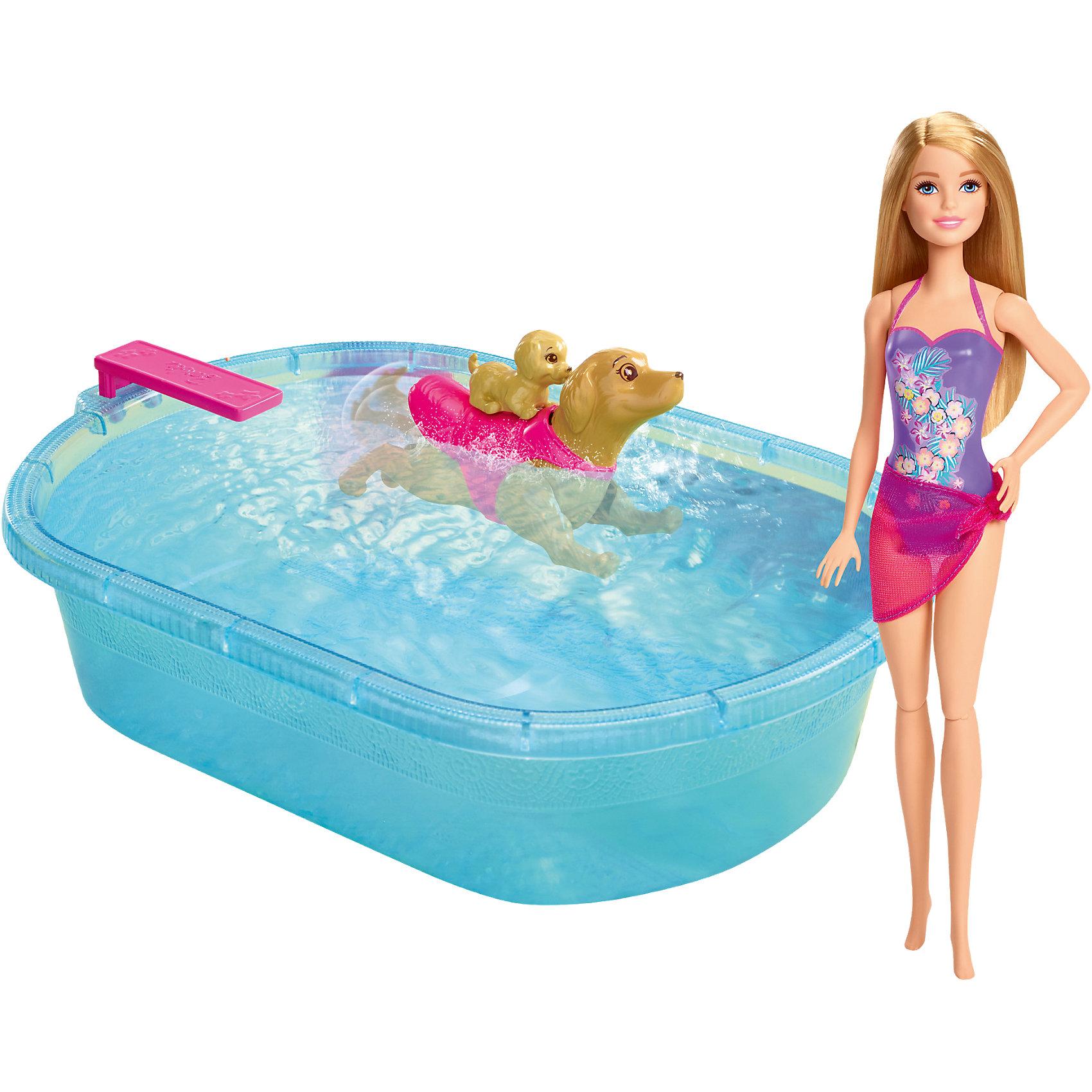 Набор для купания щенков, BarbieНабор для купания щенков, Barbie от Mattel (Маттел) ? набор, созданный по мотивам мультфильма Barbie и сестры: в поисках щенков. Игровой комплект состоит из Барби, собаки с щенком и ванночки для купания. Все детали выполнены из высококачественного пластика, устойчивого к повреждениям и изменению цвета. <br>Барби одета в яркий купальник, на спине у собаки накидка, на которую можно посадить щенка. В ванночку можно набирать в воду, а если нажать на кнопку, которая расположена на шее у собаки, тогда она начнет плавать по поверхности воды. Данный игровой набор принесет много радости не только во время игр, но и во время купания.<br>Набор для купания щенков, Barbie от Mattel (Маттел) может быть отличным вариантом в качестве подарка для девочки к любому торжеству.<br><br>Дополнительная информация:<br><br>- Вид игр: сюжетно-ролевые <br>- Предназначение: для дома<br>- Серия: по мотивам мультфильма Вarbie и сестры: в поисках щенков <br>- Материал: пластик, резина, текстиль<br>- Размеры (Д*Ш*В): 32,5*35,5*8,5 см<br>- Вес: 665 г<br><br>Подробнее:<br><br>• Для детей в возрасте: от 3 лет и до 6 лет<br>• Страна производитель: Китай<br>• Торговый бренд: Barbie<br><br>Набор для купания щенков, Barbie от Mattel (Маттел) можно купить в нашем интернет-магазине.<br><br>Ширина мм: 328<br>Глубина мм: 368<br>Высота мм: 88<br>Вес г: 663<br>Возраст от месяцев: 36<br>Возраст до месяцев: 72<br>Пол: Женский<br>Возраст: Детский<br>SKU: 4765324