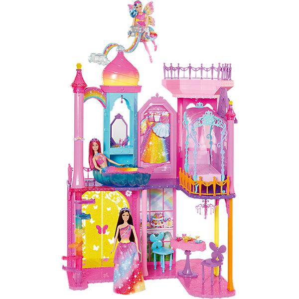 Радужный дворец BarbieДомики для кукол<br>Потрясающий радужный дворец для Барби вдохновит девочку на самые разнообразные сказочные фантазии. Яркий дворец имеет бассейн, стул со стульчиками, духи, тарелочки с кексами и многое другое. Крышу дворца украшают вращающиеся облака, которые вдохновят на создание интереснейших приключений. Придумайте свою захватывающую историю с радужным дворцом!<br><br>Дополнительная информация:<br>Материал: пластик<br>Кукла в комплект не входит<br><br>Вы можете приобрести Радужный дворец Barbie  в нашем интернет-магазине.<br>Ширина мм: 641; Глубина мм: 388; Высота мм: 177; Вес г: 5031; Возраст от месяцев: 36; Возраст до месяцев: 72; Пол: Женский; Возраст: Детский; SKU: 4765332;