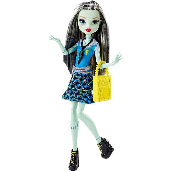Кукла Фрэнки Штейн в модном наряде, Monster HighMonster High<br>Фрэнки Штейн - милая девочка, дочь профессора Франкенштейна. На этот раз она красиво нарядилась для первого дня в школе Monster High. Кукла одета в модное платье с молнией и стильные туфельки. Желтая сумочка и украшение на шее прекрасно дополняют образ юной леди.<br><br>Дополнительная информация:<br>Материал: пластик<br>Куклу Фрэнки Штейн можно купить в нашем интернет-магазине.<br>Ширина мм: 337; Глубина мм: 154; Высота мм: 68; Вес г: 215; Возраст от месяцев: 72; Возраст до месяцев: 144; Пол: Женский; Возраст: Детский; SKU: 4765347;
