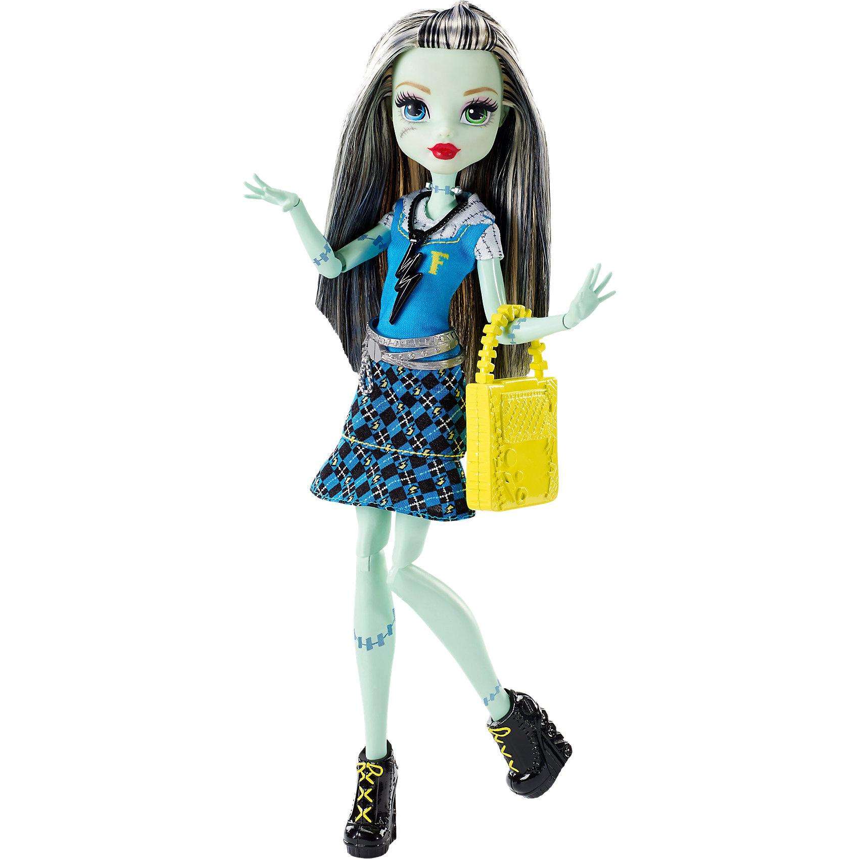 Кукла Фрэнки Штейн в модном наряде, Monster HighMonster High<br>Фрэнки Штейн - милая девочка, дочь профессора Франкенштейна. На этот раз она красиво нарядилась для первого дня в школе Monster High. Кукла одета в модное платье с молнией и стильные туфельки. Желтая сумочка и украшение на шее прекрасно дополняют образ юной леди.<br><br>Дополнительная информация:<br>Материал: пластик<br>Куклу Фрэнки Штейн можно купить в нашем интернет-магазине.<br><br>Ширина мм: 337<br>Глубина мм: 154<br>Высота мм: 68<br>Вес г: 215<br>Возраст от месяцев: 72<br>Возраст до месяцев: 144<br>Пол: Женский<br>Возраст: Детский<br>SKU: 4765347