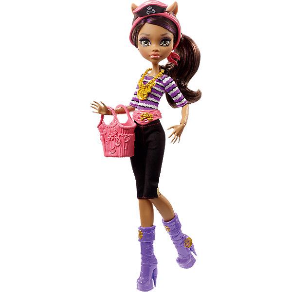 Кукла Клодин Вульф из серии Пиратская авантюра, Monster HighКуклы<br>Прекрасная дочь оборотня Клодин Вульф отправилась в путешествие на корабле с подружками, но случилась беда - корабль потерпел крушение. Несмотря на это, Клодин по-прежнему выглядит потрясающе. Она одета в обтягивающие леггинсы и полосатую сиреневую блузку. На поясе розовый ремень, отлично гармонирующий с сумочкой. На ногах стильные сапожки, а на шее - золотое колье. Голову девочки украсил ободок с маленькой пиратской шляпкой. Отправляйтесь навстречу пиратским приключениям с Клодин Вульф!<br><br>Дополнительная информация:<br>Материал: пластик, текстиль<br>Высота куклы: 26 см<br>Вес куклы: 230 грамм<br>Серия: Пиратская авантюра<br><br>Куклу Клодин Вульф из серии Пиратская авантюра можно приобрести в нашем интернет-магазине.<br>Ширина мм: 330; Глубина мм: 154; Высота мм: 68; Вес г: 201; Возраст от месяцев: 72; Возраст до месяцев: 120; Пол: Женский; Возраст: Детский; SKU: 4765357;
