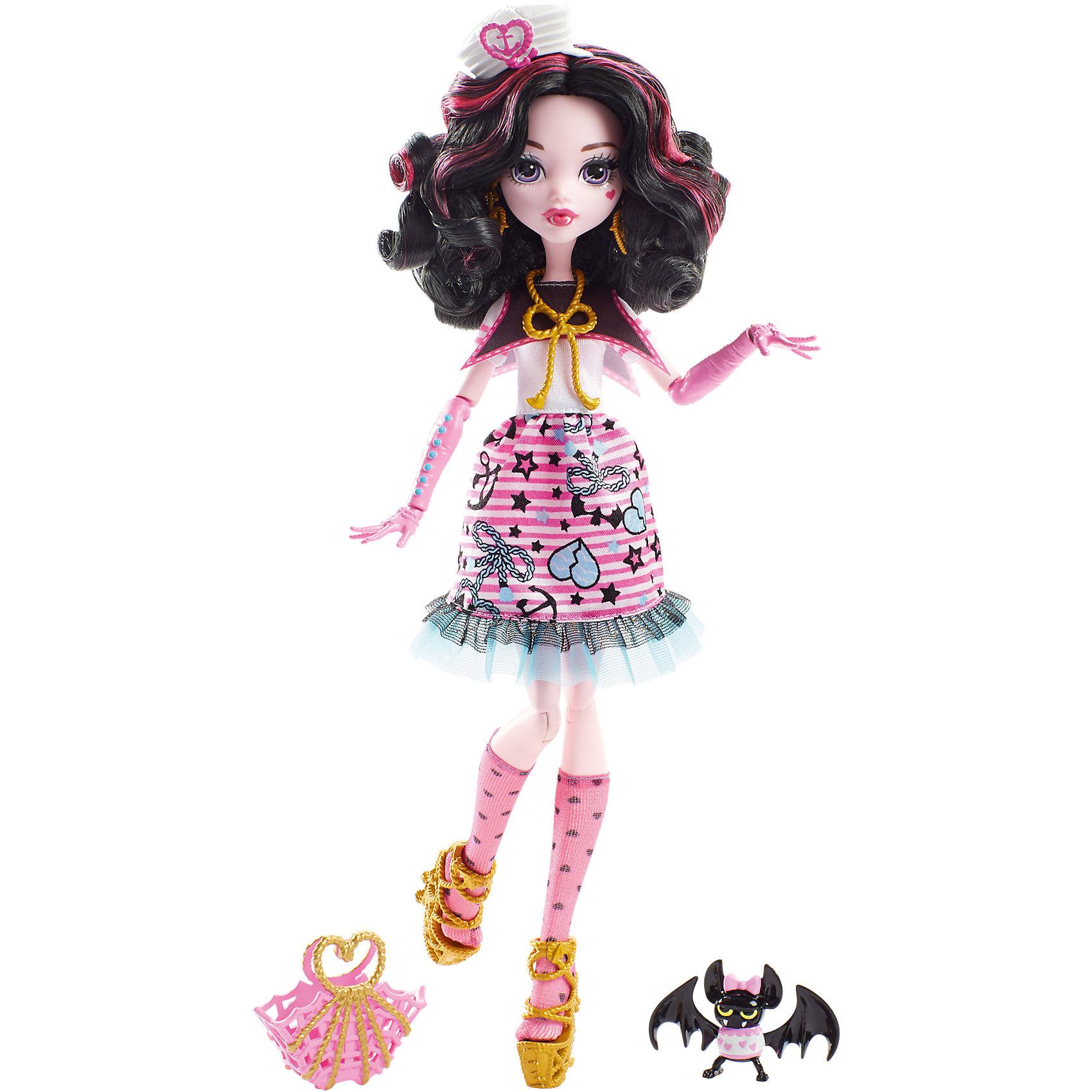 Кукла Дракулаура из серии Пиратская авантюра, Monster HighПопулярные игрушки<br>Дракулауре, дочери графа Дракулы на этот раз предстоит найти выход с необитаемого острова после кораблекрушения. И, конечно же, не обойдется без поиска сокровищ! Кукла одета в стильное платье с рюшами. Туфельки, аксессуары и сумочка украшены настоящими пиратскими канатами. Модная шляпка морячки и питомец летучая мышь подчеркивают оригинальность образа настоящей пиратки. <br><br>Дополнительная информация:<br>Материал: пластик<br>Требуется подставка<br>Куклу Дракулаура(Monster High) можно купить в нашем интернет-магазине.<br><br>Ширина мм: 328<br>Глубина мм: 203<br>Высота мм: 63<br>Вес г: 216<br>Возраст от месяцев: 72<br>Возраст до месяцев: 144<br>Пол: Женский<br>Возраст: Детский<br>SKU: 4765361