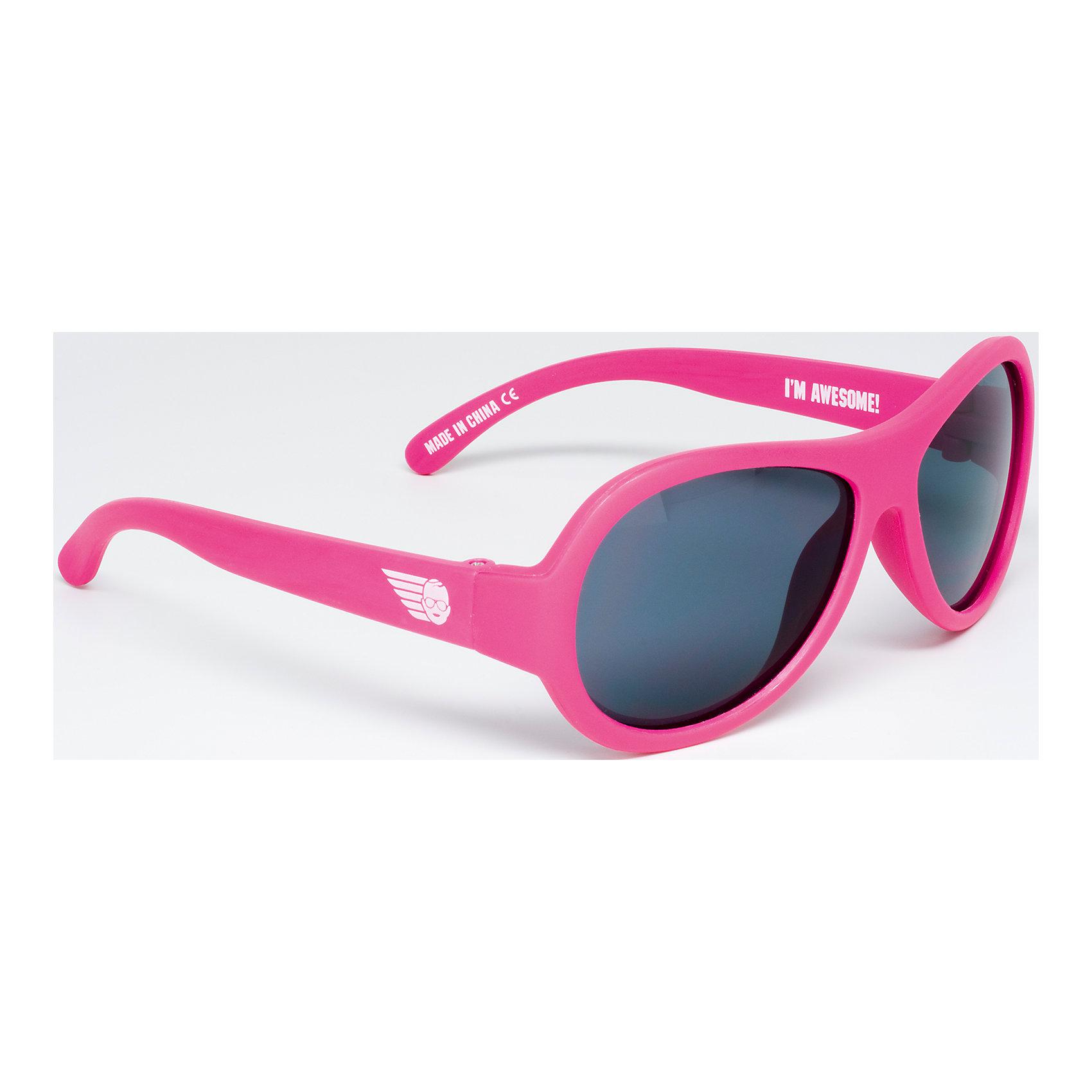 Солнцезащитные очки Babiators OriginalЗащита глаз всегда в моде.<br>Вы делаете все возможное, чтобы ваши дети были здоровы и в безопасности. Шлемы для езды на велосипеде, солнцезащитный крем для прогулок на солнце. Но как насчёт влияния солнца на глазах вашего ребёнка? Правда в том, что сетчатка глаза у детей развивается вместе с самим ребёнком. Это означает, что глаза малышей не могут отфильтровать УФ-излучение. Добавьте к этому тот факт, что дети за год получают трёхкратную дозу солнечного воздействия на взрослого человека (доклад Vision Council Report 2013, США). Проблема понятна - детям нужна настоящая защита, чтобы глазка были в безопасности, а зрение сильным.<br>Каждая пара солнцезащитных очков Babiators для детей обеспечивает 100% защиту от UVA и UVB. Прочные линзы высшего качества не подведут в самых сложных переделках. Будьте уверены, что очки Babiators созданы безопасными, прочными и классными, так что вы и ваш маленький лётчик можете приступать к своим приключениям!<br><br>• Прочная, гибкая прорезиненная оправа;<br>• 100 % защита от UVA и UVB солнечных лучей;<br>• Ударопрочные линзы;<br>• Стильные: выбор многих голливудских звёзд.<br><br>Ширина мм: 170<br>Глубина мм: 157<br>Высота мм: 67<br>Вес г: 117<br>Возраст от месяцев: 36<br>Возраст до месяцев: 84<br>Пол: Унисекс<br>Возраст: Детский<br>SKU: 4766965