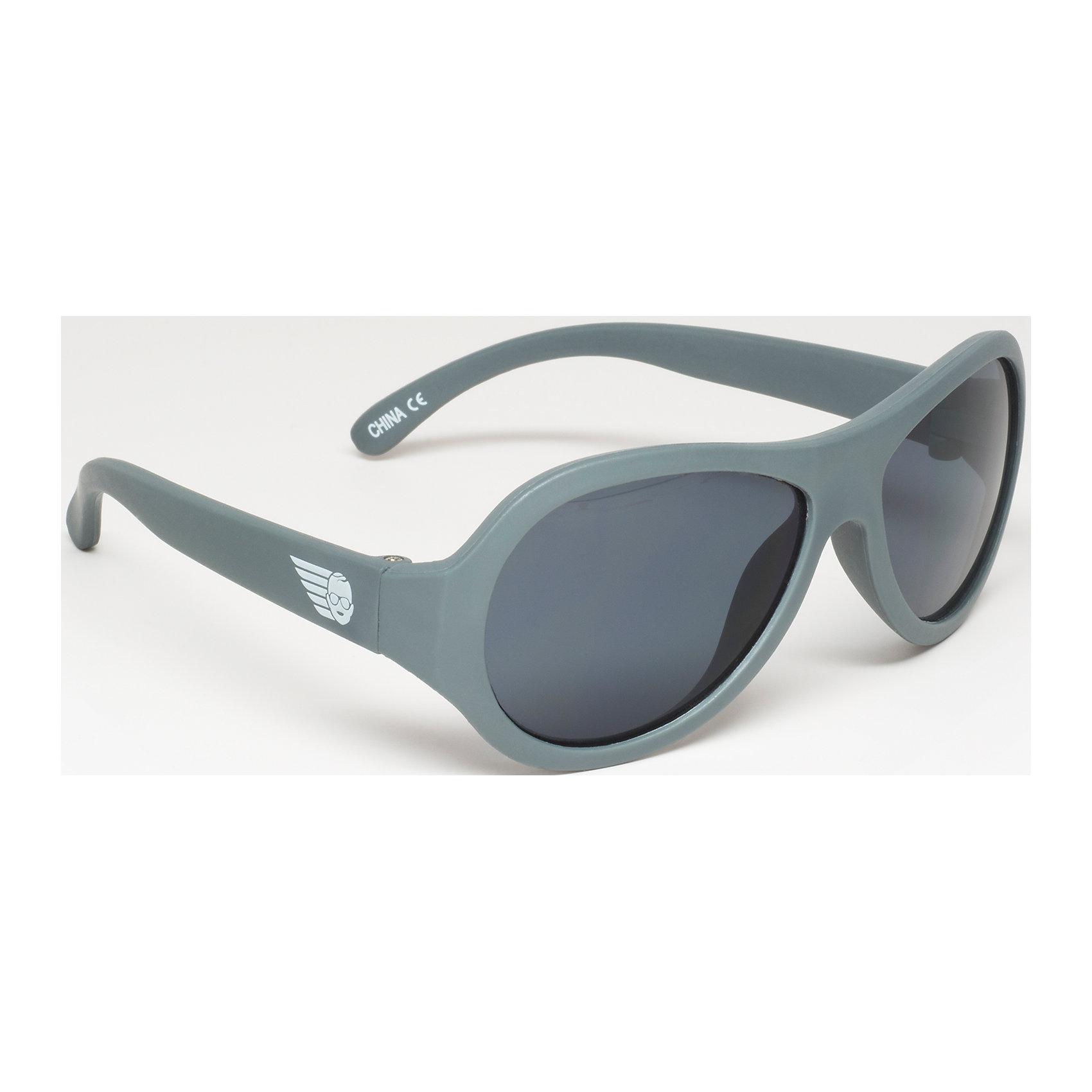 Солнцезащитные очки Babiators OriginalЗащита глаз всегда в моде.<br>Вы делаете все возможное, чтобы ваши дети были здоровы и в безопасности. Шлемы для езды на велосипеде, солнцезащитный крем для прогулок на солнце. Но как насчёт влияния солнца на глазах вашего ребёнка? Правда в том, что сетчатка глаза у детей развивается вместе с самим ребёнком. Это означает, что глаза малышей не могут отфильтровать УФ-излучение. Добавьте к этому тот факт, что дети за год получают трёхкратную дозу солнечного воздействия на взрослого человека (доклад Vision Council Report 2013, США). Проблема понятна - детям нужна настоящая защита, чтобы глазка были в безопасности, а зрение сильным.<br>Каждая пара солнцезащитных очков Babiators для детей обеспечивает 100% защиту от UVA и UVB. Прочные линзы высшего качества не подведут в самых сложных переделках. Будьте уверены, что очки Babiators созданы безопасными, прочными и классными, так что вы и ваш маленький лётчик можете приступать к своим приключениям!<br><br>• Прочная, гибкая прорезиненная оправа;<br>• 100 % защита от UVA и UVB солнечных лучей;<br>• Ударопрочные линзы;<br>• Стильные: выбор многих голливудских звёзд.<br><br>Ширина мм: 170<br>Глубина мм: 157<br>Высота мм: 67<br>Вес г: 117<br>Возраст от месяцев: 36<br>Возраст до месяцев: 84<br>Пол: Унисекс<br>Возраст: Детский<br>SKU: 4766976