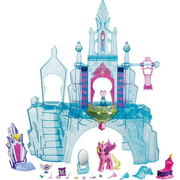Игровой набор Кристальный замок, My little PonyИгрушки<br>Волшебный Кристальный Замок, в котором живет Принцесса Каденс и ее малышка. Подсветка и полу-прозрачный материал заставляют замок сиять как настоящий кристалл! Внутри замка - лестница, качель для малышки, вращающийся  трон и шкафчики, а также 15+ аксессуаров (наряды, тиара, серьги, бутылочка, ожерелье, рамка для фото, кольцо и  т.д.) Отсканируйте специальный код своим мобильным устройством, и откройте новые функции в игровом мобильном приложении My Little Pony.<br>Ширина мм: 512; Глубина мм: 381; Высота мм: 123; Вес г: 1438; Возраст от месяцев: 36; Возраст до месяцев: 72; Пол: Женский; Возраст: Детский; SKU: 4767290;