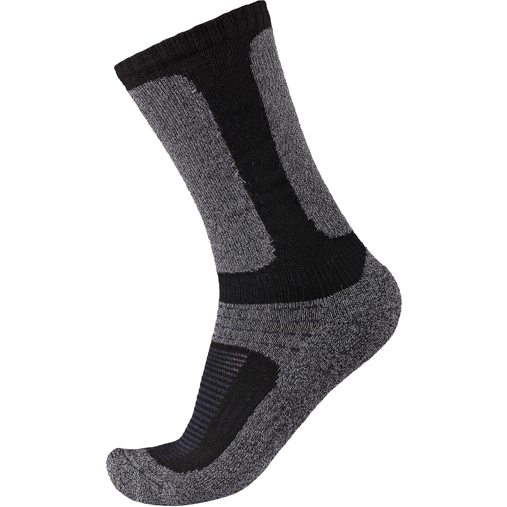 Носки Loma для мальчика ReimaНоски<br>Носки  Reima<br>Носки для детей и подростков. Coolmax® отводит влагу, а шерсть сохраняет тепло. Мягкий теплый футер с внутренней стороны для максимального комфорта. Накладки на ступнях, лодыжках и больших пальцах. Благодаря удлиненной вязаной резинке носок не съезжает. Быстро сохнет и сохраняет тепло.<br>Уход:<br>0<br>Состав:<br>24% Шерсть, 66% полиэстер COOLMAX®, 5% эластан, 5% полиамид<br><br>Ширина мм: 87<br>Глубина мм: 10<br>Высота мм: 105<br>Вес г: 115<br>Цвет: черный/серый<br>Возраст от месяцев: 24<br>Возраст до месяцев: 36<br>Пол: Мужской<br>Возраст: Детский<br>Размер: 26,38,30,34<br>SKU: 4774955
