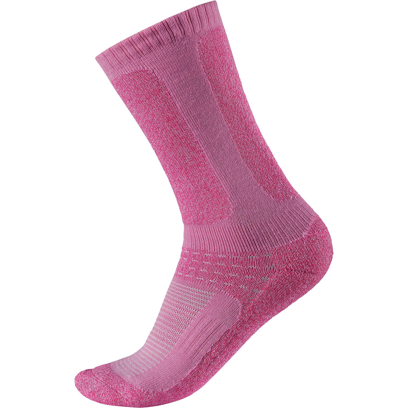 Носки Loma для девочки ReimaОдежда<br>Носки  Reima<br>Носки для детей и подростков. Coolmax® отводит влагу, а шерсть сохраняет тепло. Мягкий теплый футер с внутренней стороны для максимального комфорта. Накладки на ступнях, лодыжках и больших пальцах. Благодаря удлиненной вязаной резинке носок не съезжает. Быстро сохнет и сохраняет тепло.<br>Уход:<br>0<br>Состав:<br>24% Шерсть, 66% полиэстер COOLMAX®, 5% эластан, 5% полиамид<br><br>Ширина мм: 87<br>Глубина мм: 10<br>Высота мм: 105<br>Вес г: 115<br>Цвет: розовый<br>Возраст от месяцев: 24<br>Возраст до месяцев: 36<br>Пол: Женский<br>Возраст: Детский<br>Размер: 26,30,38,34<br>SKU: 4774965