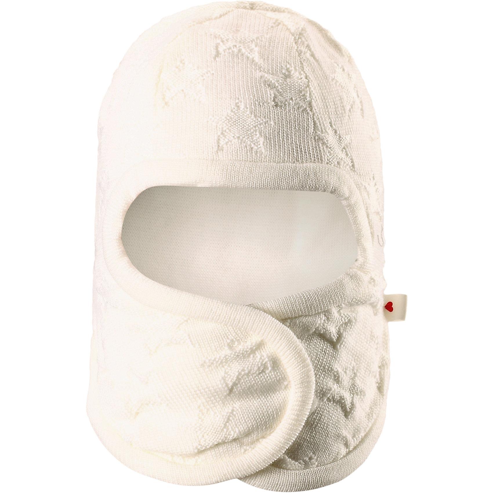 Шапка-шлем Littlest ReimaШапка  Reima<br>Шапка-шлем для самых маленьких. Ткань из смеси мериносовой шерсти сохраняет тепло даже при намокании. Шерсть идеально поддерживает температуру. Товар сертифицирован Oeko-Tex, класс 1, одежда для малышей. Мягкая подкладка из хлопка и эластанаЗадние швы отсутствуют. Застежка на липучке спереди. Логотип Reima® сбоку. Милый вязаный узор. Интересная структура поверхности.<br>Уход:<br>Стирать по отдельности, вывернув наизнанку. Придать первоначальную форму вo влажном виде. Возможна усадка 5 %.<br>Состав:<br>100% Шерсть<br><br>Ширина мм: 89<br>Глубина мм: 117<br>Высота мм: 44<br>Вес г: 155<br>Цвет: белый<br>Возраст от месяцев: 2<br>Возраст до месяцев: 4<br>Пол: Женский<br>Возраст: Детский<br>Размер: 40-42,36-38,44-46<br>SKU: 4775571