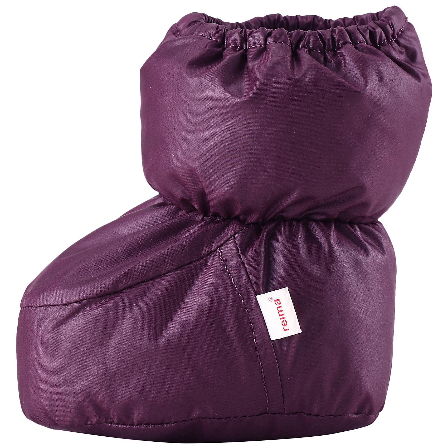 Пинетки Uskallus для девочки ReimaПинетки<br>Пинетки  Reima<br>Пинетки для самых маленьких. Водоотталкивающий, ветронепроницаемый и «дышащий» материал. Мягкая подкладка из хлопка и эластана. Легкая степень утепления. Логотип Reima® сбоку.<br>Утеплитель: Reima® Comfortinsulation,80 g<br>Уход:<br>Стирать с бельем одинакового цвета, вывернув наизнанку. Стирать моющим средством, не содержащим отбеливающие вещества. Полоскать без специального средства. Сушить при низкой температуре. <br>Состав:<br>100% Полиэстер<br><br>Ширина мм: 162<br>Глубина мм: 171<br>Высота мм: 55<br>Вес г: 119<br>Цвет: лиловый<br>Возраст от месяцев: 0<br>Возраст до месяцев: 12<br>Пол: Женский<br>Возраст: Детский<br>Размер: 0,1<br>SKU: 4775646