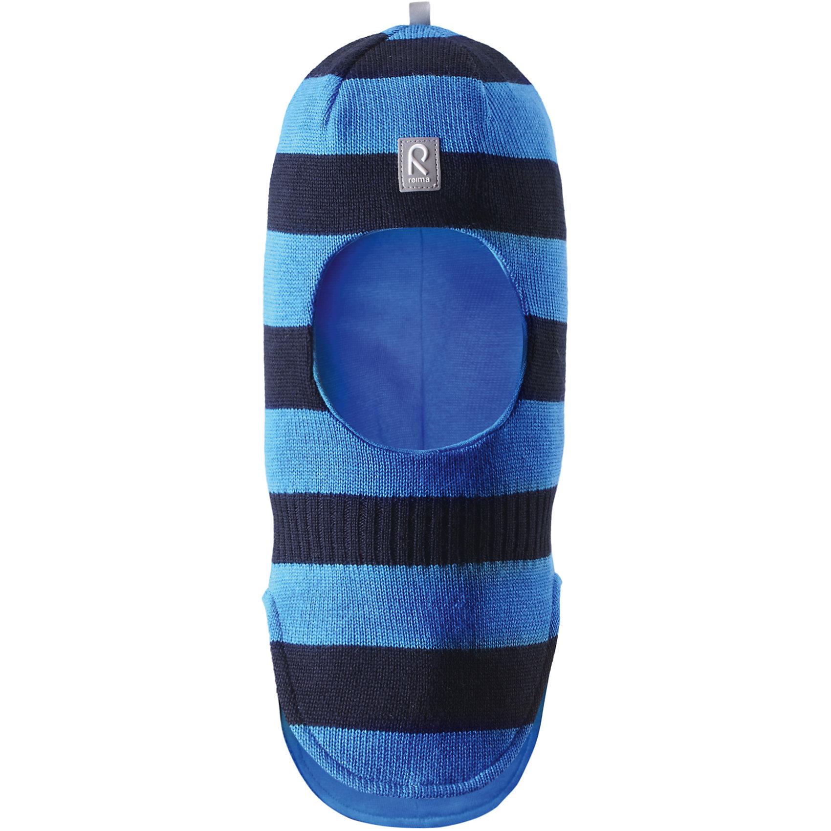 Шапка-шлем Starrie для мальчика ReimaШапки и шарфы<br>Шапка  Reima<br>Шапка-шлем для малышей. Мягкая ткань из мериносовой шерсти для поддержания идеальной температуры тела. Теплая шерстяная вязка (волокно). Товар сертифицирован Oeko-Tex, класс 1, одежда для малышей. Ветронепроницаемые вставки в области ушей. Мягкая подкладка из хлопка и эластана. Светоотражающий элемент спереди.<br>Уход:<br>Стирать по отдельности, вывернув наизнанку. Придать первоначальную форму вo влажном виде. Возможна усадка 5 %.<br>Состав:<br>100% Шерсть<br><br>Ширина мм: 89<br>Глубина мм: 117<br>Высота мм: 44<br>Вес г: 155<br>Цвет: голубой<br>Возраст от месяцев: 6<br>Возраст до месяцев: 9<br>Пол: Мужской<br>Возраст: Детский<br>Размер: 46,52,48,54,50<br>SKU: 4775684