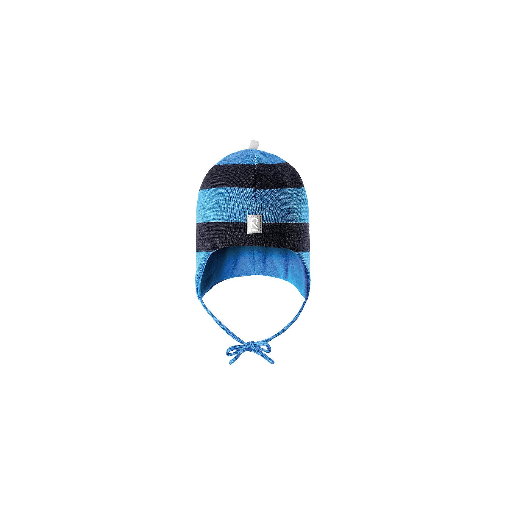 Шапка Auva ReimaШапка  Reima<br>Шапка «Бини» для малышей. Мягкая ткань из мериносовой шерсти для поддержания идеальной температуры тела. Теплая шерстяная вязка (волокно). Основной материал сертифицирован Oeko-Tex, класс 1, одежда для малышей. Ветронепроницаемые вставки в области ушей. Любые размеры. Мягкая теплая подкладка из поларфлиса. Светоотражающие детали сверху.<br>Уход:<br>Стирать по отдельности, вывернув наизнанку. Придать первоначальную форму вo влажном виде. Возможна усадка 5 %.<br>Состав:<br>100% Шерсть<br><br>Ширина мм: 89<br>Глубина мм: 117<br>Высота мм: 44<br>Вес г: 155<br>Цвет: голубой<br>Возраст от месяцев: 18<br>Возраст до месяцев: 36<br>Пол: Мужской<br>Возраст: Детский<br>Размер: 50,52,48,46<br>SKU: 4775731