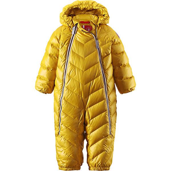 Комбинезон Unetus ReimaВерхняя одежда<br>Комбинезон  Reima<br>Пуховый комбинезон для малышей. Водоотталкивающий, ветронепроницаемый, «дышащий» и грязеотталкивающий материал. Гладкая подкладка из полиэстра. В качестве утеплителя использованы пух и перо (60%/40%). Безопасный, съемный капюшон. Эластичные манжеты. Съемные эластичные штрипки. Две длинные молнии для удобного надевания. Безопасные светоотражающие детали.<br>Уход:<br>Стирать по отдельности, вывернув наизнанку. Застегнуть молнии и липучки. Стирать моющим средством, не содержащим отбеливающие вещества. Полоскать без специального средства. Во избежание изменения цвета изделие необходимо вынуть из стиральной машинки незамедлительно после окончания программы стирки. Барабанное сушение при низкой температуре с 3 теннисными мячиками. Выверните изделие наизнанку в середине сушки.<br>Состав:<br>100% Полиэстер<br><br>Ширина мм: 356<br>Глубина мм: 10<br>Высота мм: 245<br>Вес г: 519<br>Цвет: желтый<br>Возраст от месяцев: 3<br>Возраст до месяцев: 6<br>Пол: Женский<br>Возраст: Детский<br>Размер: 68,92,74,62,80,86<br>SKU: 4775870