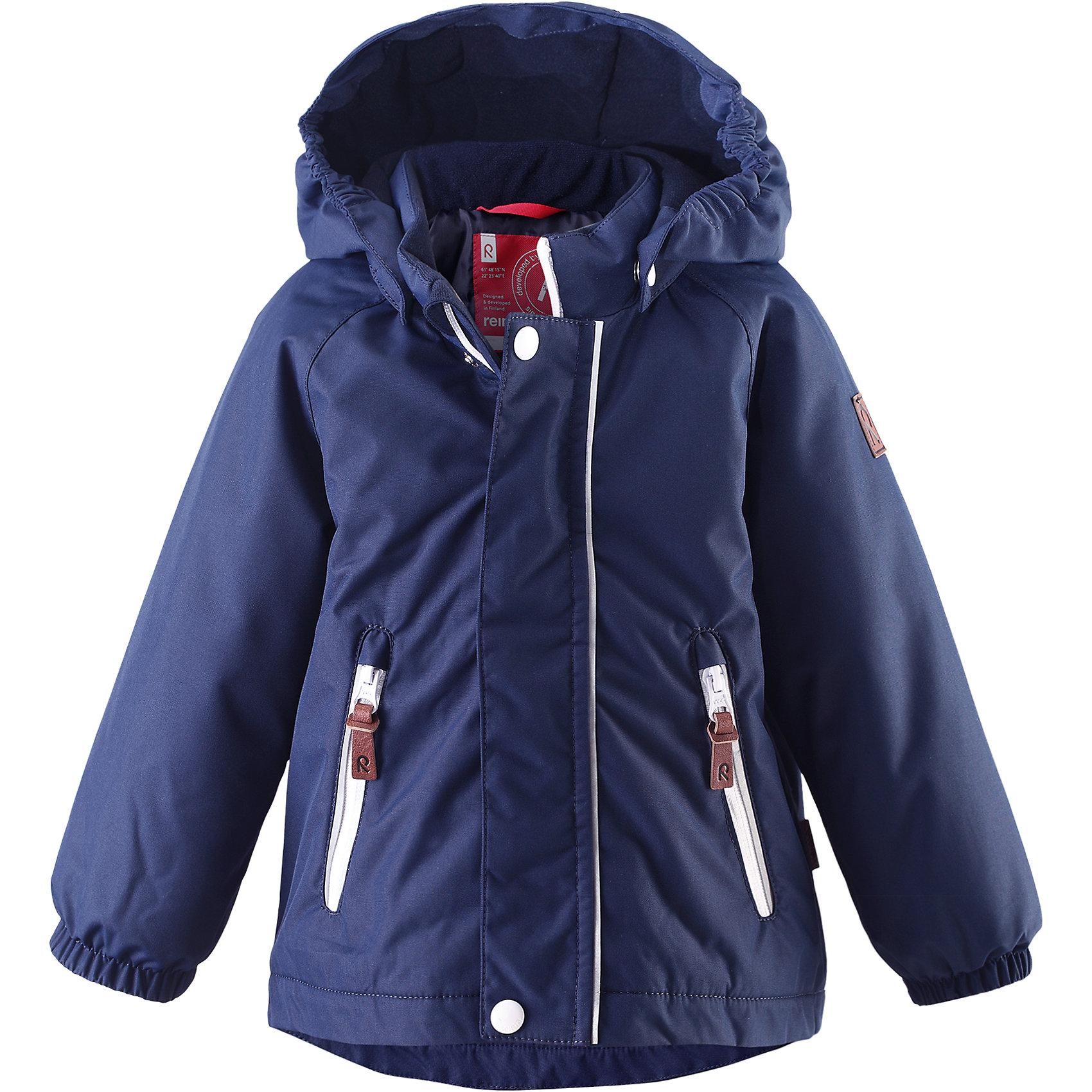 Куртка Shed для мальчика ReimaКуртка  Reima<br>Зимняя куртка для малышей. Основные швы проклеены и не пропускают влагу. Водо- и ветронепроницаемый, «дышащий» и грязеотталкивающий материал. Гладкая подкладка из полиэстра. Безопасный, съемный капюшон. Эластичные манжеты. Два кармана на молнии. Безопасные светоотражающие детали.<br>Утеплитель: Reima® Soft Loft insulation,160 g<br>Уход:<br>Стирать по отдельности, вывернув наизнанку. Застегнуть молнии и липучки. Стирать моющим средством, не содержащим отбеливающие вещества. Полоскать без специального средства. Во избежание изменения цвета изделие необходимо вынуть из стиральной машинки незамедлительно после окончания программы стирки. Сушить при низкой температуре.<br>Состав:<br>100% Полиамид, полиуретановое покрытие<br><br>Ширина мм: 449<br>Глубина мм: 359<br>Высота мм: 106<br>Вес г: 448<br>Цвет: синий<br>Возраст от месяцев: 12<br>Возраст до месяцев: 18<br>Пол: Мужской<br>Возраст: Детский<br>Размер: 92,80,98,86<br>SKU: 4775996