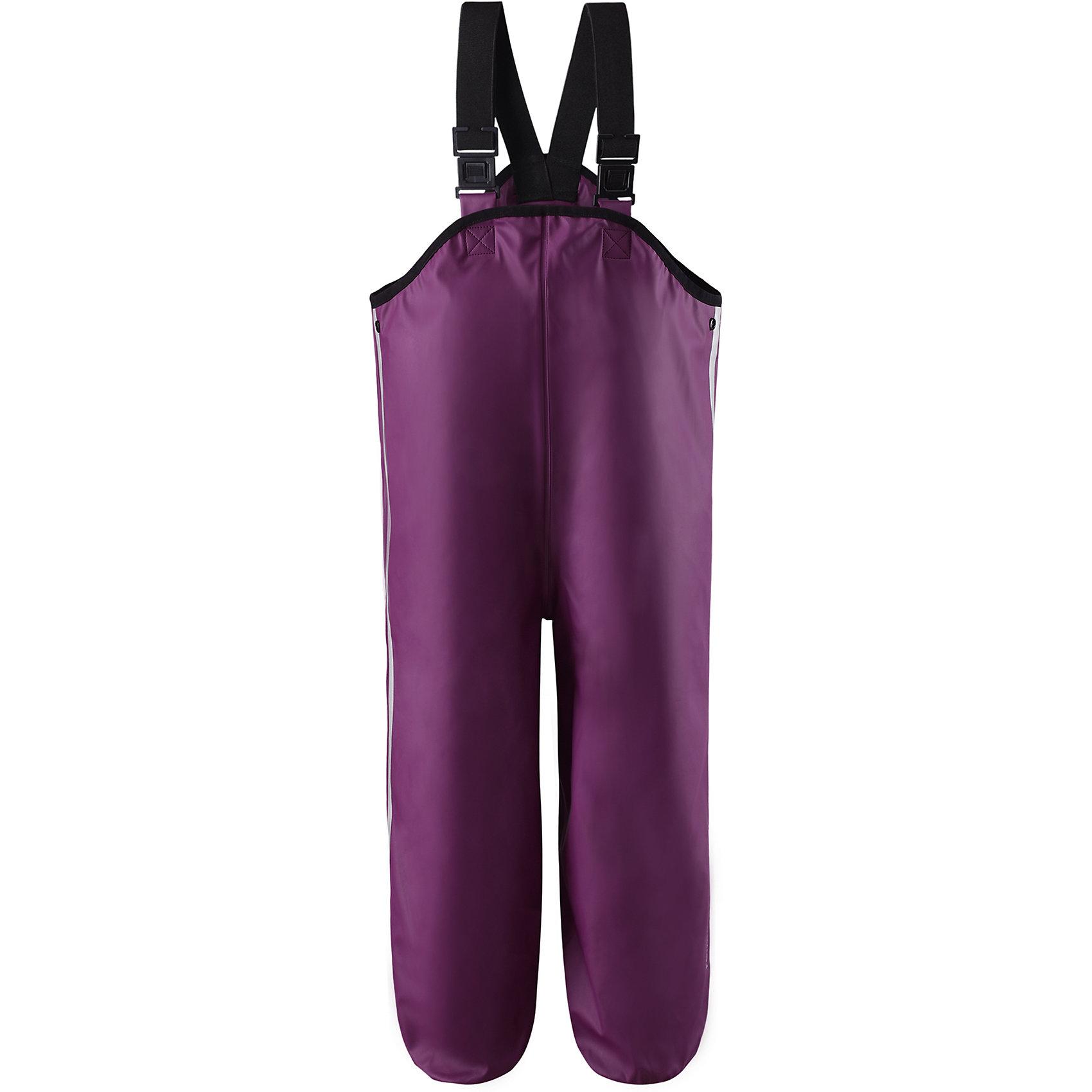 Непромокаемые брюки Lammikko для девочки ReimaНепромокаемые брюки Reima<br>Брюки для дождливой погоды для детей и малышей. Запаянные швы, не пропускающие влагу. Эластичный материал. Без ПХВ. Регулируемый обхват талии. Эластичная резинка на штанинах. Съемные эластичные штрипки. Регулируемые эластичные подтяжки. Безопасные светоотражающие детали. Отличный вариант для дождливой погоды.<br>Уход:<br>Стирать по отдельности, вывернув наизнанку. Стирать моющим средством, не содержащим отбеливающие вещества. Полоскать без специального средства. Во избежание изменения цвета изделие необходимо вынуть из стиральной машинки незамедлительно после окончания программы стирки. Сушить при низкой температуре.<br>Состав:<br>100% Полиамид, полиуретановое покрытие<br><br>Ширина мм: 215<br>Глубина мм: 88<br>Высота мм: 191<br>Вес г: 336<br>Цвет: фиолетовый<br>Возраст от месяцев: 84<br>Возраст до месяцев: 96<br>Пол: Женский<br>Возраст: Детский<br>Размер: 128,104,86,92,116,98,122,80,110<br>SKU: 4776099