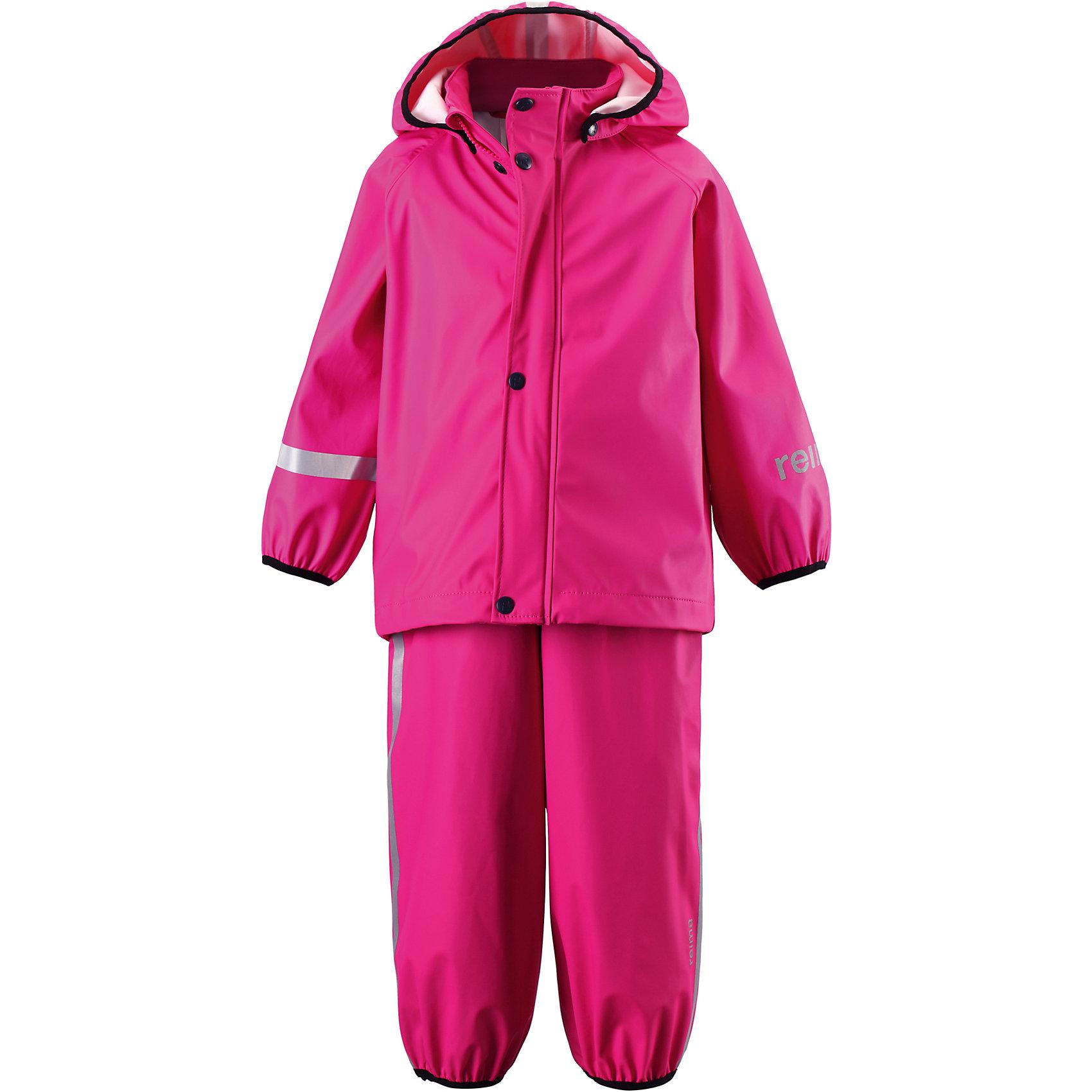 Непромокаемый комплект: куртка и брюки Tihku для девочки ReimaНепромокаемый комплект: куртка и брюки Reima.<br>Комплект для дождливой погоды для малышей. Запаянные швы, не пропускающие влагу. Эластичный материал. Без ПХВ. Безопасный, съемный капюшон. Эластичная резинка на кромке капюшона. Эластичные манжеты. Регулируемый обхват талии. Эластичная резинка на штанинах. Съемные эластичные штрипки. Молния спереди. Регулируемые эластичные подтяжки. Безопасные светоотражающие детали. Отличный вариант для дождливой погоды.<br>Уход:<br>Стирать по отдельности, вывернув наизнанку. Застегнуть молнии и липучки. Стирать моющим средством, не содержащим отбеливающие вещества. Полоскать без специального средства. Во избежание изменения цвета изделие необходимо вынуть из стиральной машинки незамедлительно после окончания программы стирки. Сушить при низкой температуре.<br>Состав:<br>100% Полиамид, полиуретановое покрытие<br><br>Ширина мм: 356<br>Глубина мм: 10<br>Высота мм: 245<br>Вес г: 519<br>Цвет: розовый<br>Возраст от месяцев: 60<br>Возраст до месяцев: 72<br>Пол: Женский<br>Возраст: Детский<br>Размер: 116,80,98,110,86,104,92<br>SKU: 4776164