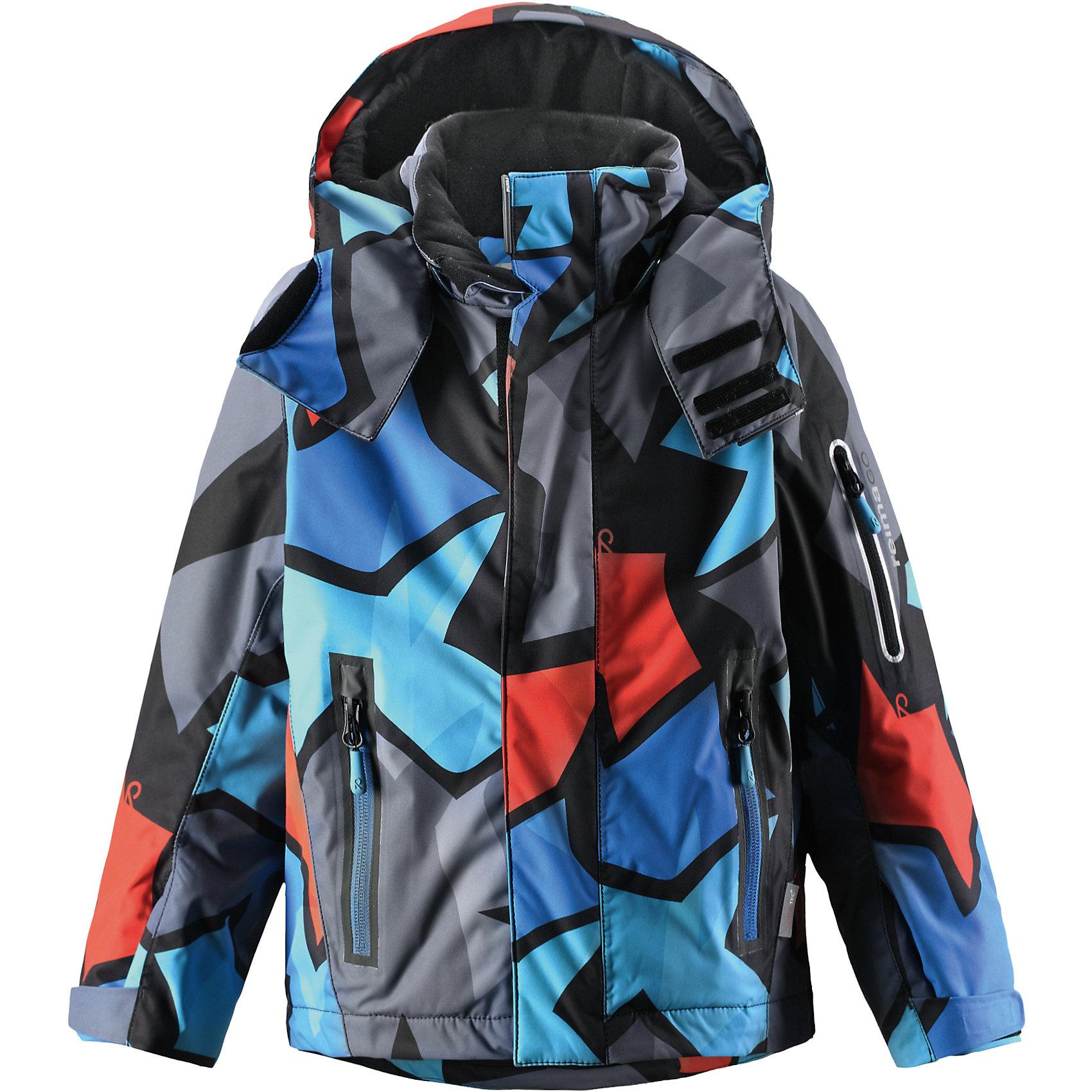 Куртка Regor для мальчика Reimatec® ReimaОдежда<br>Куртка для мальчика Reimatec® Reima<br>Зимняя куртка для детей. Все швы проклеены и водонепроницаемы. Водо- и ветронепроницаемый «дышащий» материал. Гладкая подкладка из полиэстра. Безопасный, отстегивающийся и регулируемый капюшон. Регулируемые манжеты и внутренние манжеты из лайкры. Регулируемый подол, снегозащитный манжет на талииНовая усовершенствованная молния — больше не застревает! Карман для очков и внутренний нагрудный карманКарманы на молнии. Карман на рукаве с пластинчатым разъемом для датчика ReimaGO®. Принт по всей поверхности.<br>Утеплитель: Reima® Flex insulation,140 g<br>Уход:<br>Стирать по отдельности, вывернув наизнанку. Застегнуть молнии и липучки. Стирать моющим средством, не содержащим отбеливающие вещества. Полоскать без специального средства. Во избежание изменения цвета изделие необходимо вынуть из стиральной машинки незамедлительно после окончания программы стирки. Можно сушить в сушильном шкафу или центрифуге (макс. 40° C).<br>Состав:<br>100% Полиамид, полиуретановое покрытие<br><br>Ширина мм: 356<br>Глубина мм: 10<br>Высота мм: 245<br>Вес г: 519<br>Цвет: синий<br>Возраст от месяцев: 24<br>Возраст до месяцев: 36<br>Пол: Мужской<br>Возраст: Детский<br>Размер: 98,140,116,104,134,92,122,110,128<br>SKU: 4776490