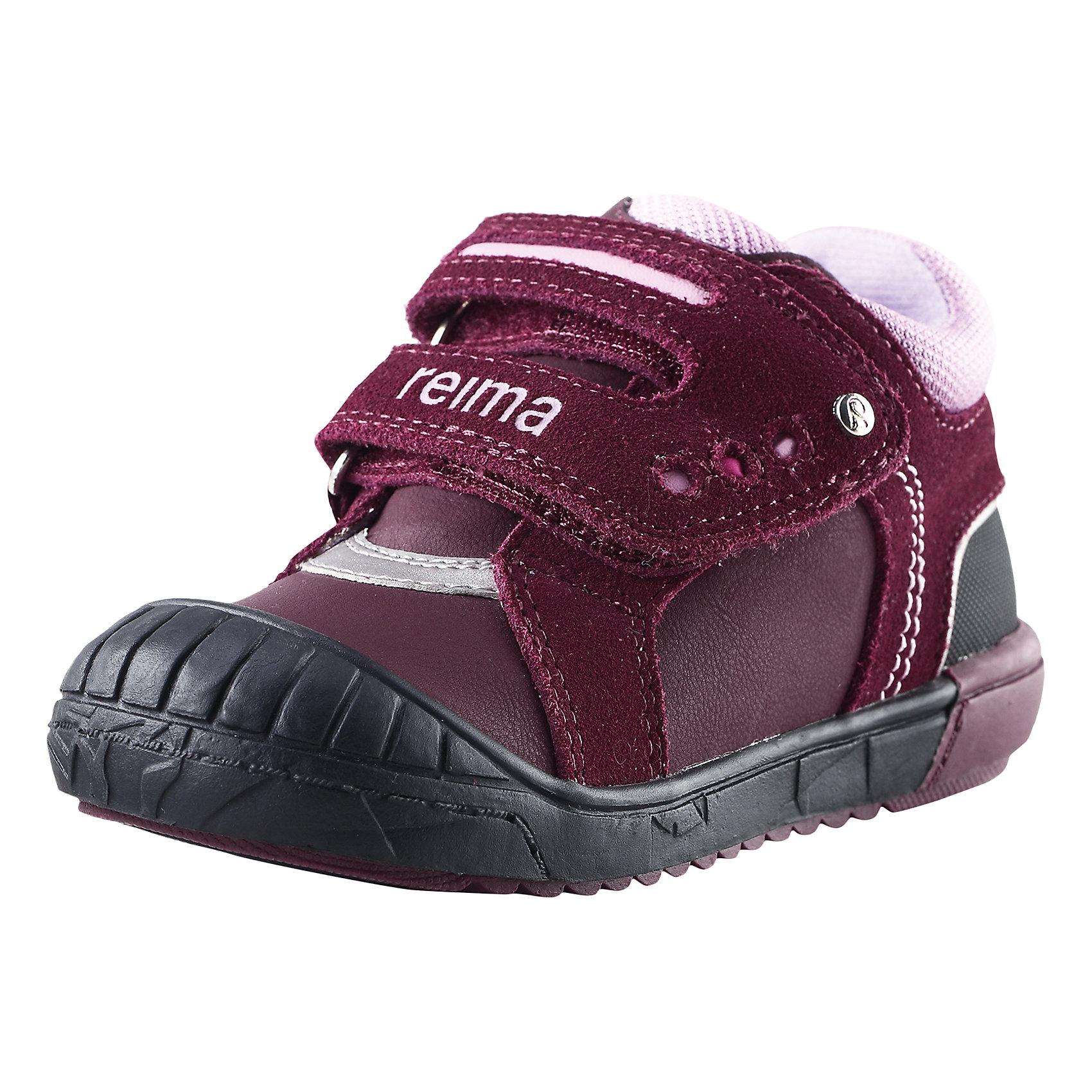 Ботинки Bremen Reimatec® ReimaБотинки  Reimatec® Reima<br>Обувь для малышей. Верх из натуральной замши (из телячьей кожи) и синтетического материала. Подошва из термопластичного каучука обеспечивает хорошее сцепление с поверхностью .Текстильная подкладка. Съемные стельки с рисунком Happy Fit, которые помогают определить размер. Застежки на липучках обеспечивают простоту использования. Светоотражающие детали.<br>Уход:<br>Храните обувь в вертикальном положении при комнатной температуре. Сушить обувь всегда следует при комнатной температуре: вынув съемные стельки. Стельки следует время от времени заменять на новые. Налипшую грязь можно счищать щеткой или влажной тряпкой. Перед использованием обувь рекомендуется обрабатывать специальными защитными средствами.<br>Состав:<br>Подошва: 100% термопластичная резина, Верх: 40% ПУ, 50% Кожа, 10% ПЭ<br><br>Ширина мм: 262<br>Глубина мм: 176<br>Высота мм: 97<br>Вес г: 427<br>Цвет: коричневый<br>Возраст от месяцев: 24<br>Возраст до месяцев: 24<br>Пол: Унисекс<br>Возраст: Детский<br>Размер: 25,24,28,22,27,26,20,21,23<br>SKU: 4776560