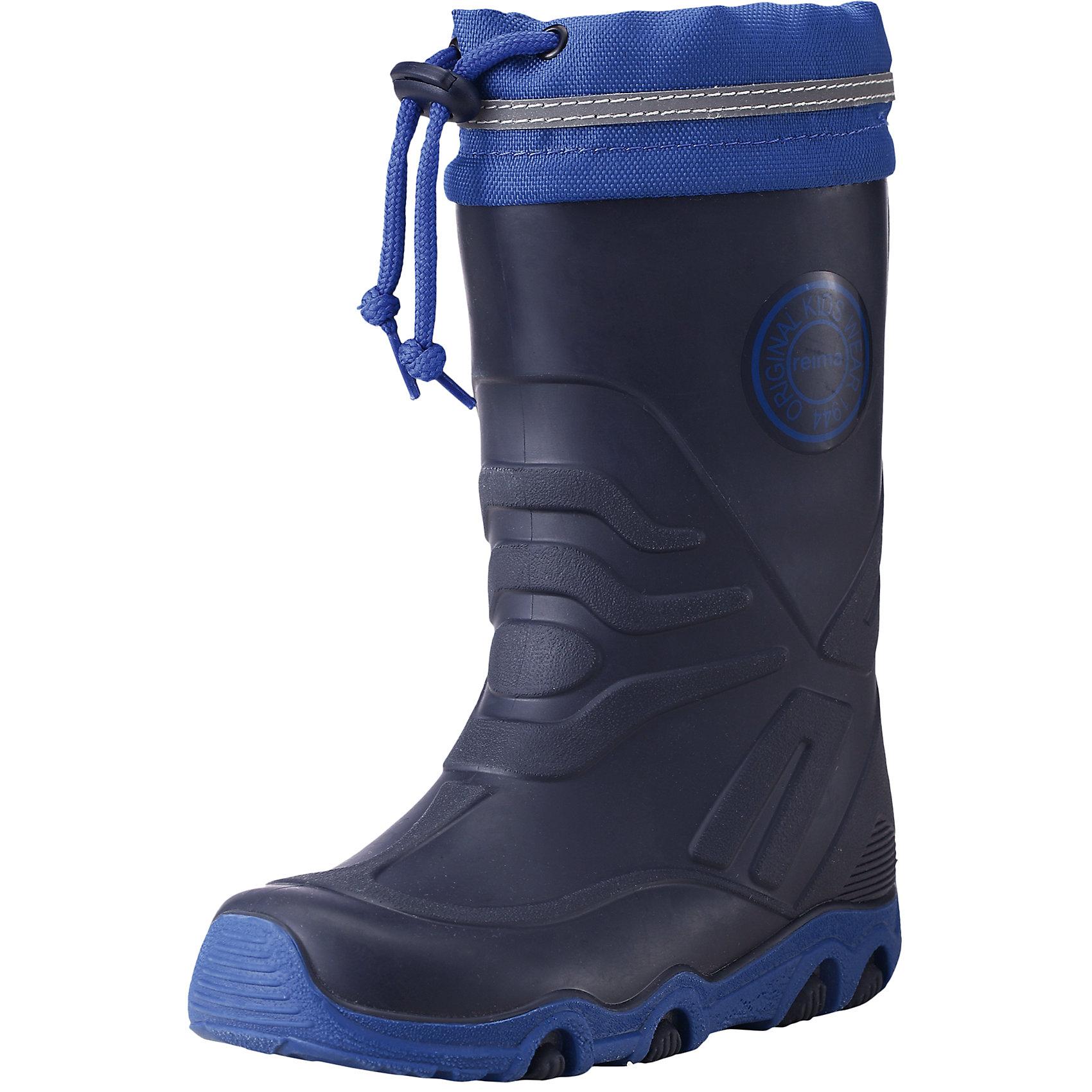 Резиновые сапоги Slate для мальчика Reimatec® ReimaОбувь<br>Сапоги  Reimatec® Reima<br>Веллингтоны для детей. Водонепроницаемая зимняя обувь. Подошва из термопластичного каучука обеспечивает хорошее сцепление с поверхностью. Подкладка из смеси шерсти. Сделано в Италии. Алюминиевая стелька для улучшенной теплоизоляции. Светоотражающие детали. Снегозащитная манжета на воротнике. Без ПХВ.<br>Уход:<br>Храните обувь в вертикальном положении при комнатной температуре. Сушить обувь всегда следует при комнатной температуре: вынув съемные стельки. Стельки следует время от времени заменять на новые. Налипшую грязь можно счищать щеткой или влажной тряпкой. Перед использованием обувь рекомендуется обрабатывать специальными защитными средствами.<br>Состав:<br>Подошва: 100% термопластичная резина, Верх: термопластичная резина / ПЭ<br><br>Ширина мм: 237<br>Глубина мм: 180<br>Высота мм: 152<br>Вес г: 438<br>Цвет: синий<br>Возраст от месяцев: 12<br>Возраст до месяцев: 15<br>Пол: Мужской<br>Возраст: Детский<br>Размер: 21,36,26,29,33,23,27,35,22,28,30,24,32,31,20,34,25<br>SKU: 4776809