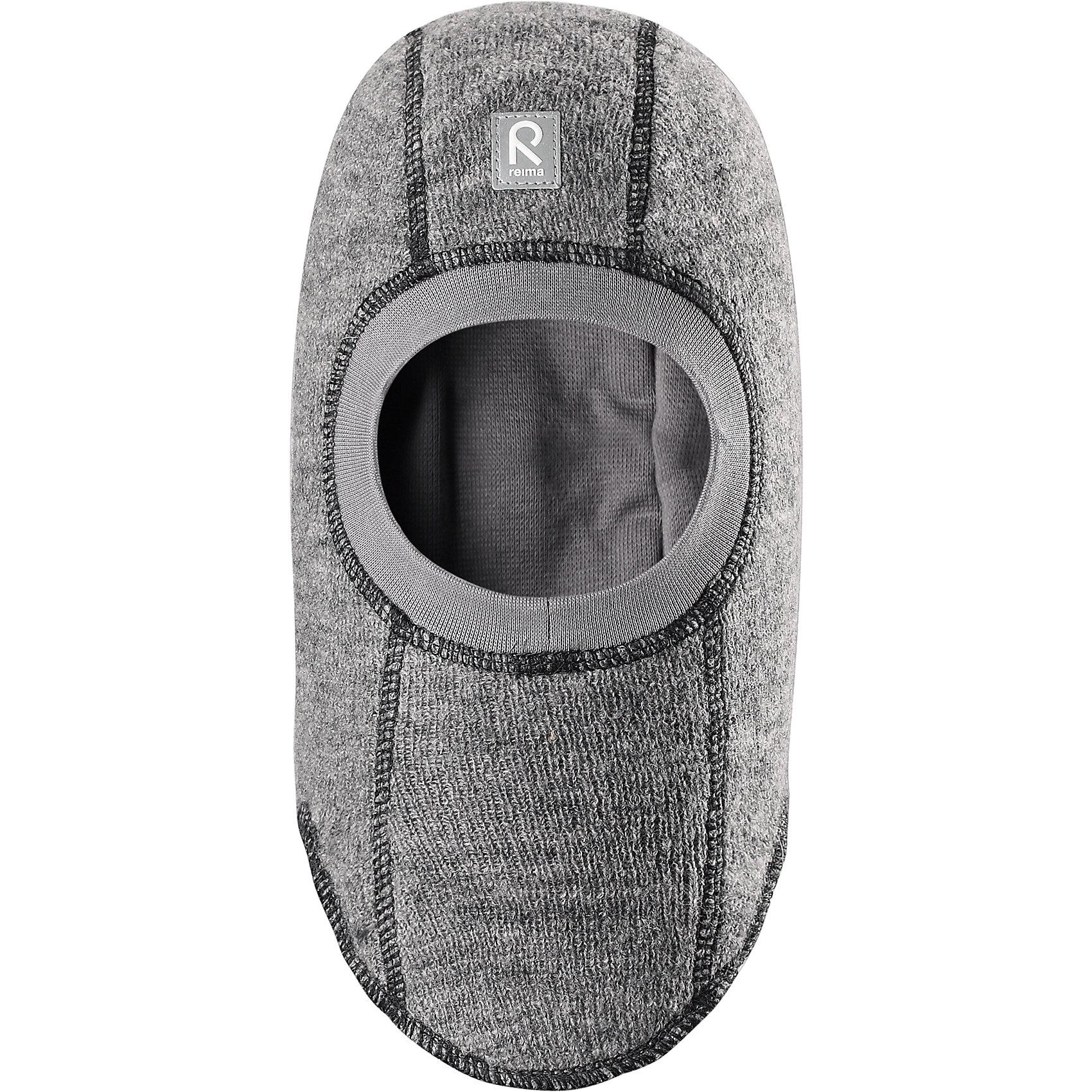 Шапка-шлем Repolainen ReimaШапки и шарфы<br>Шапка  Reima<br>Шапка-шлем для малышей. Шерсть идеально поддерживает температуру. Теплая шерстяная вязка (волокно). Товар сертифицирован Oeko-Tex, класс 1, одежда для малышей. Ветронепроницаемые вставки в области ушей. Мягкая подкладка из хлопка и эластана. Интересная структура поверхности. Светоотражающий элемент спереди.<br>Уход:<br>Стирать по отдельности, вывернув наизнанку. Придать первоначальную форму вo влажном виде. Возможна усадка 5 %.<br>Состав:<br>100% Шерсть<br><br>Ширина мм: 89<br>Глубина мм: 117<br>Высота мм: 44<br>Вес г: 155<br>Цвет: серый<br>Возраст от месяцев: 6<br>Возраст до месяцев: 9<br>Пол: Мужской<br>Возраст: Детский<br>Размер: 46,52,50,48<br>SKU: 4777122