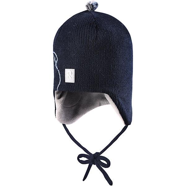 Шапка Kinostus для мальчика ReimaШапки и шарфы<br>Шапка для мальчика Reima<br>Шапка «Бини» для малышей. Шерсть идеально поддерживает температуру. Теплая шерстяная вязка (волокно). Товар сертифицирован Oeko-Tex, класс 1, одежда для малышей. Ветронепроницаемые вставки в области ушей. Любые размеры. Мягкая теплая подкладка из поларфлиса. Милый вязаный узор. Декоративные элементы сверху. Светоотражающий элемент спереди.<br>Уход:<br>Стирать по отдельности, вывернув наизнанку. Придать первоначальную форму вo влажном виде. Возможна усадка 5 %.<br>Состав:<br>100% Шерсть<br><br>Ширина мм: 89<br>Глубина мм: 117<br>Высота мм: 44<br>Вес г: 155<br>Цвет: синий<br>Возраст от месяцев: 6<br>Возраст до месяцев: 9<br>Пол: Мужской<br>Возраст: Детский<br>Размер: 46,48,52,50<br>SKU: 4777157
