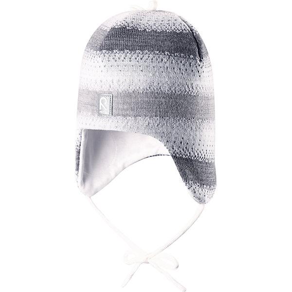 Шапка Pilvet для девочки ReimaШапки и шарфы<br>Шапка для девочки Reima<br>Шапка «Бини» для малышейМягкая ткань из мериносовой шерсти для поддержания идеальной температуры телаТеплая шерстяная вязка (волокно)Товар сертифицирован Oeko-Tex, класс 1, одежда для малышейВетронепроницаемые вставки в области ушейЛюбые размерыМягкая подкладка из хлопка и эластанаЛоготип Reima® спередиУзор из цветных полосДекоративные элементы сверхуСветоотражающий элемент спереди<br>Уход:<br>Стирать по отдельности, вывернув наизнанку. Придать первоначальную форму вo влажном виде. Возможна усадка 5 %.<br>Состав:<br>100% Шерсть<br><br>Ширина мм: 89<br>Глубина мм: 117<br>Высота мм: 44<br>Вес г: 155<br>Цвет: белый<br>Возраст от месяцев: 6<br>Возраст до месяцев: 9<br>Пол: Женский<br>Возраст: Детский<br>Размер: 46,52,50,48<br>SKU: 4777162