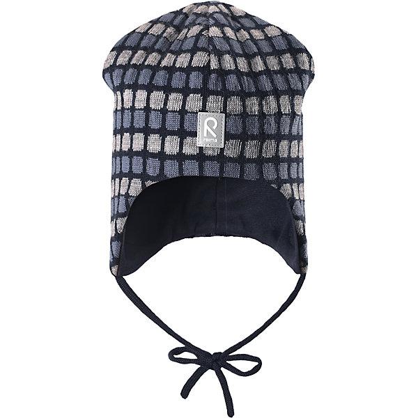 Шапка Innokas для мальчика ReimaШапки и шарфы<br>Шапка для мальчика Reima<br>Шапка «Бини» для малышей. Мягкая ткань из мериносовой шерсти для поддержания идеальной температуры тела. Теплая шерстяная вязка (волокно). Мягкий, теплый и приятный на ощупь трикотаж. Товар сертифицирован Oeko-Tex, класс 1, одежда для малышей. Ветронепроницаемые вставки в области ушей. Любые размеры. Мягкая подкладка из хлопка и эластана. Жаккардовый вязаный узор по всей поверхности. Декоративные элементы сверху. Интересная структура поверхности. Светоотражающий элемент спереди.<br>Уход:<br>Стирать по отдельности, вывернув наизнанку. Придать первоначальную форму вo влажном виде. Возможна усадка 5 %.<br>Состав:<br>100% Шерсть<br>Ширина мм: 89; Глубина мм: 117; Высота мм: 44; Вес г: 155; Цвет: синий; Возраст от месяцев: 6; Возраст до месяцев: 9; Пол: Мужской; Возраст: Детский; Размер: 46,52,48,50; SKU: 4777187;