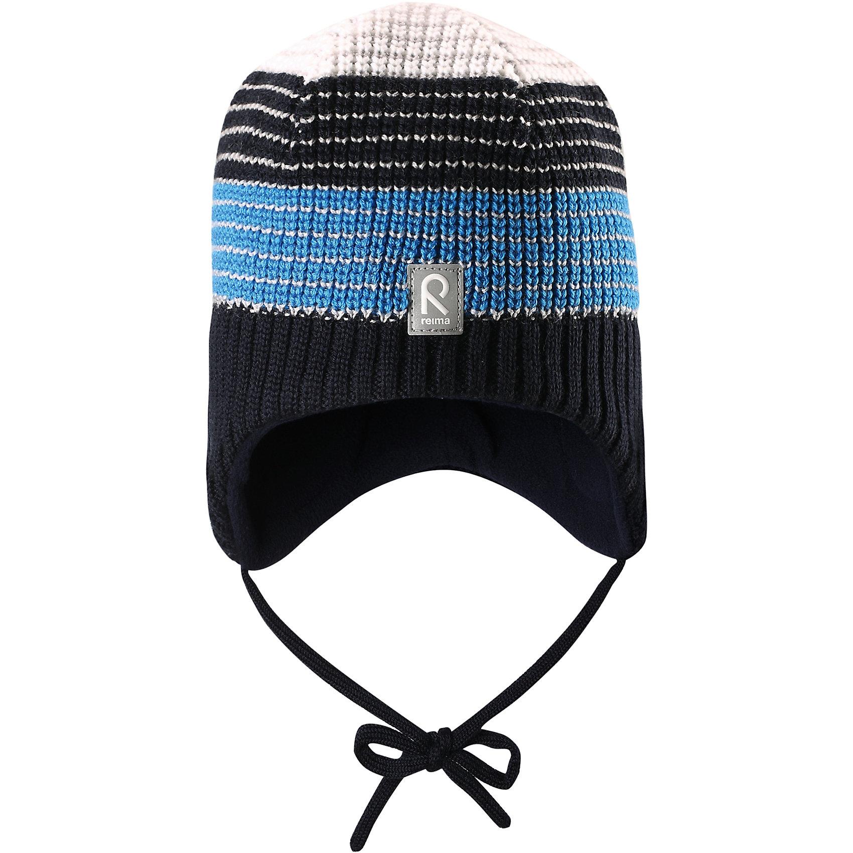 Шапка Tilava ReimaШапки и шарфы<br>Шапка  Reima<br>Шерстяная шапка «Бини» для детей и малышей. Мягкая ткань из мериносовой шерсти для поддержания идеальной температуры тела. Теплый толстый качественный трикотаж. Товар сертифицирован Oeko-Tex, класс 1, одежда для малышей. Ветронепроницаемые вставки в области ушей. Любые размеры. Мягкая теплая подкладка из поларфлиса. Скандинавский вязаный узор. Декоративные элементы сверху. Интересная структура поверхности. Светоотражающий элемент спереди.<br>Уход:<br>Стирать по отдельности, вывернув наизнанку. Придать первоначальную форму вo влажном виде. Возможна усадка 5 %.<br>Состав:<br>100% Шерсть<br><br>Ширина мм: 89<br>Глубина мм: 117<br>Высота мм: 44<br>Вес г: 155<br>Цвет: синий<br>Возраст от месяцев: 24<br>Возраст до месяцев: 60<br>Пол: Мужской<br>Возраст: Детский<br>Размер: 54,48,50,52<br>SKU: 4777277