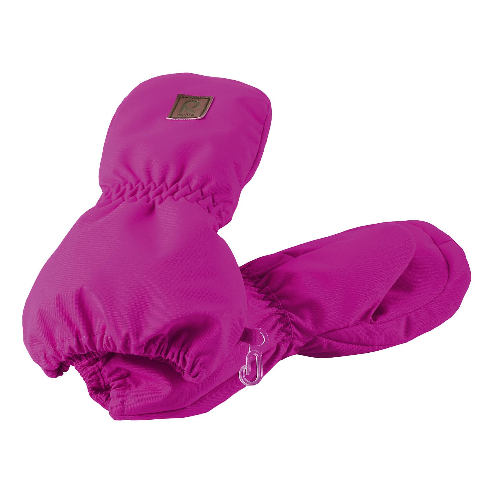Варежки Huiske для девочки ReimaПерчатки и варежки<br>Варежки  Reima<br>Варежки для малышей. Водонепроницаемый материал, вставки отсутствуют — товар не является водонепроницаемым. Водо- и ветронепроницаемый «дышащий» материал. Шерсть идеально поддерживает температуру. Теплая подкладка из ткани из смеси шерсти. Средняя степень утепления. Логотип Reima® спереди.<br>Утеплитель: Reima® Comfortinsulation,80 g<br>Уход:<br>Стирать по отдельности. Стирать моющим средством, не содержащим отбеливающие вещества. Полоскать без специального средства. Сушить при низкой температуре. <br>Состав:<br>100% Полиамид, полиуретановое покрытие<br><br>Ширина мм: 162<br>Глубина мм: 171<br>Высота мм: 55<br>Вес г: 119<br>Цвет: розовый<br>Возраст от месяцев: 0<br>Возраст до месяцев: 12<br>Пол: Женский<br>Возраст: Детский<br>Размер: 0,1,2<br>SKU: 4777345