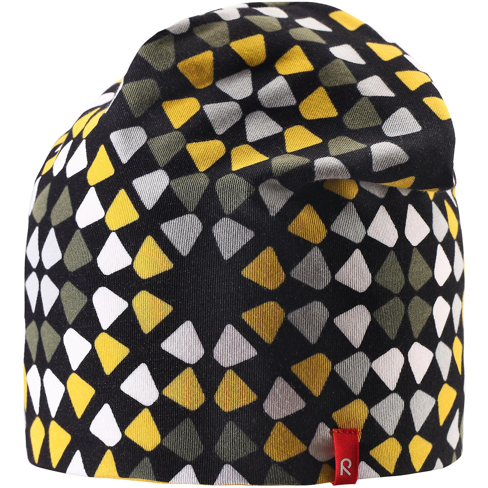 Шапка Trappa ReimaШапка  Reima<br>Двухсторонняя шапка «Бини» для детей. Простой в уходе материал быстро сохнет. Быстросохнущий материал Play Jersey, приятный на ощупь. Выводит влагу наружу и быстро сохнет. Мягкий хлопчатобумажный верх, внутренняя поверхность хорошо выводит влагу. Эластичный удобный материал. Сплошная подкладка: отводящий влагу материал Play Jersey. Логотип Reima® сбоку. Веселые цветовые сочетания .<br>Уход:<br>Стирать с бельем одинакового цвета, вывернув наизнанку. Полоскать без специального средства. Придать первоначальную форму вo влажном виде. <br>Состав:<br>61% Хлопок, 33% полиэстер, 6% эластан<br><br>Ширина мм: 89<br>Глубина мм: 117<br>Высота мм: 44<br>Вес г: 155<br>Цвет: черный<br>Возраст от месяцев: 48<br>Возраст до месяцев: 84<br>Пол: Унисекс<br>Возраст: Детский<br>Размер: 54,56,48,52,50,46<br>SKU: 4777513