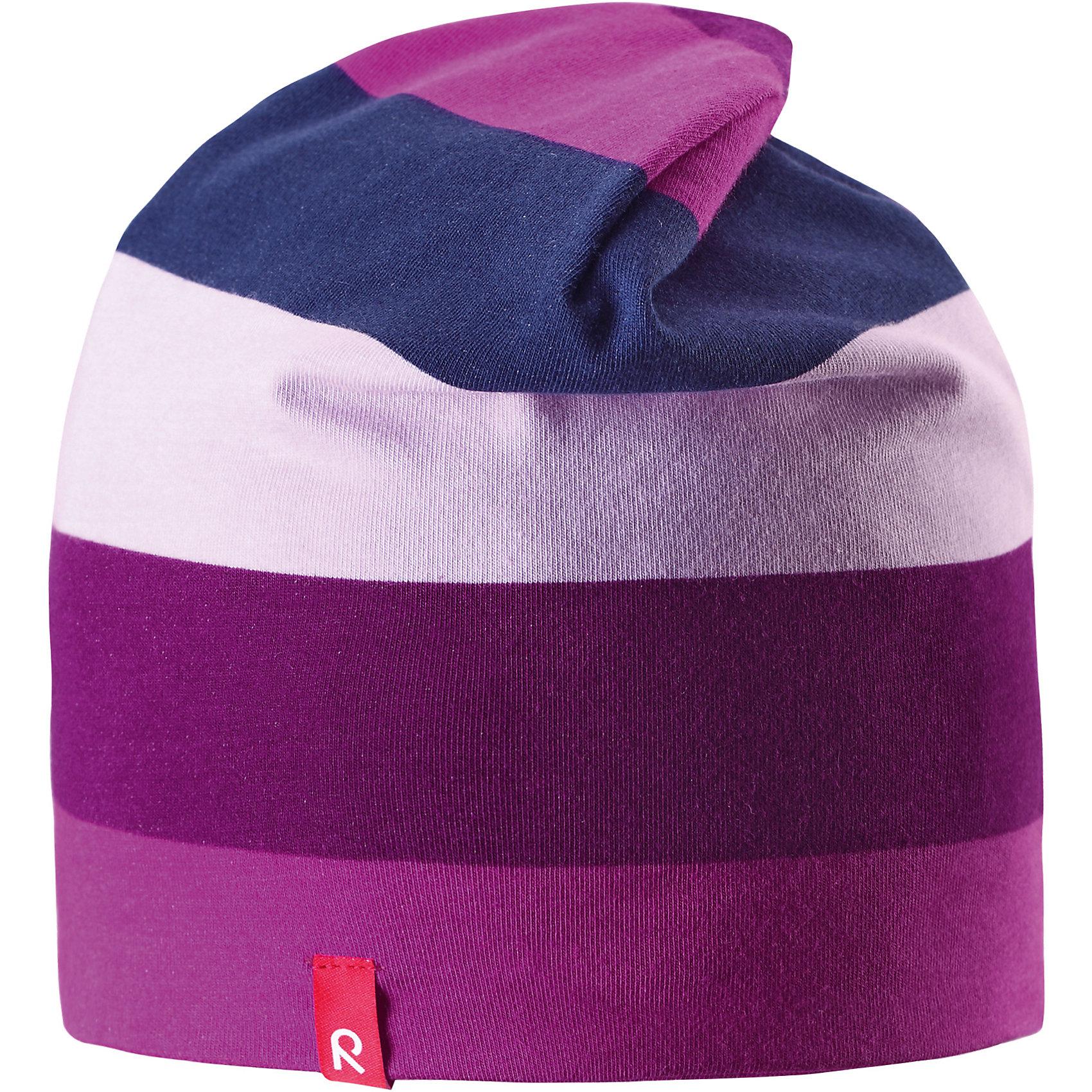 Шапка Trappa для девочки ReimaШапка  Reima<br>Двухсторонняя шапка «Бини» для детей. Простой в уходе материал быстро сохнет. Быстросохнущий материал Play Jersey, приятный на ощупь. Выводит влагу наружу и быстро сохнет. Мягкий хлопчатобумажный верх, внутренняя поверхность хорошо выводит влагу. Эластичный удобный материал. Сплошная подкладка: отводящий влагу материал Play Jersey. Логотип Reima® сбоку. Веселые цветовые сочетания .<br>Уход:<br>Стирать с бельем одинакового цвета, вывернув наизнанку. Полоскать без специального средства. Придать первоначальную форму вo влажном виде. <br>Состав:<br>61% Хлопок, 33% полиэстер, 6% эластан<br><br>Ширина мм: 89<br>Глубина мм: 117<br>Высота мм: 44<br>Вес г: 155<br>Цвет: розовый<br>Возраст от месяцев: 84<br>Возраст до месяцев: 144<br>Пол: Женский<br>Возраст: Детский<br>Размер: 56,52,50,48,46,54<br>SKU: 4777527