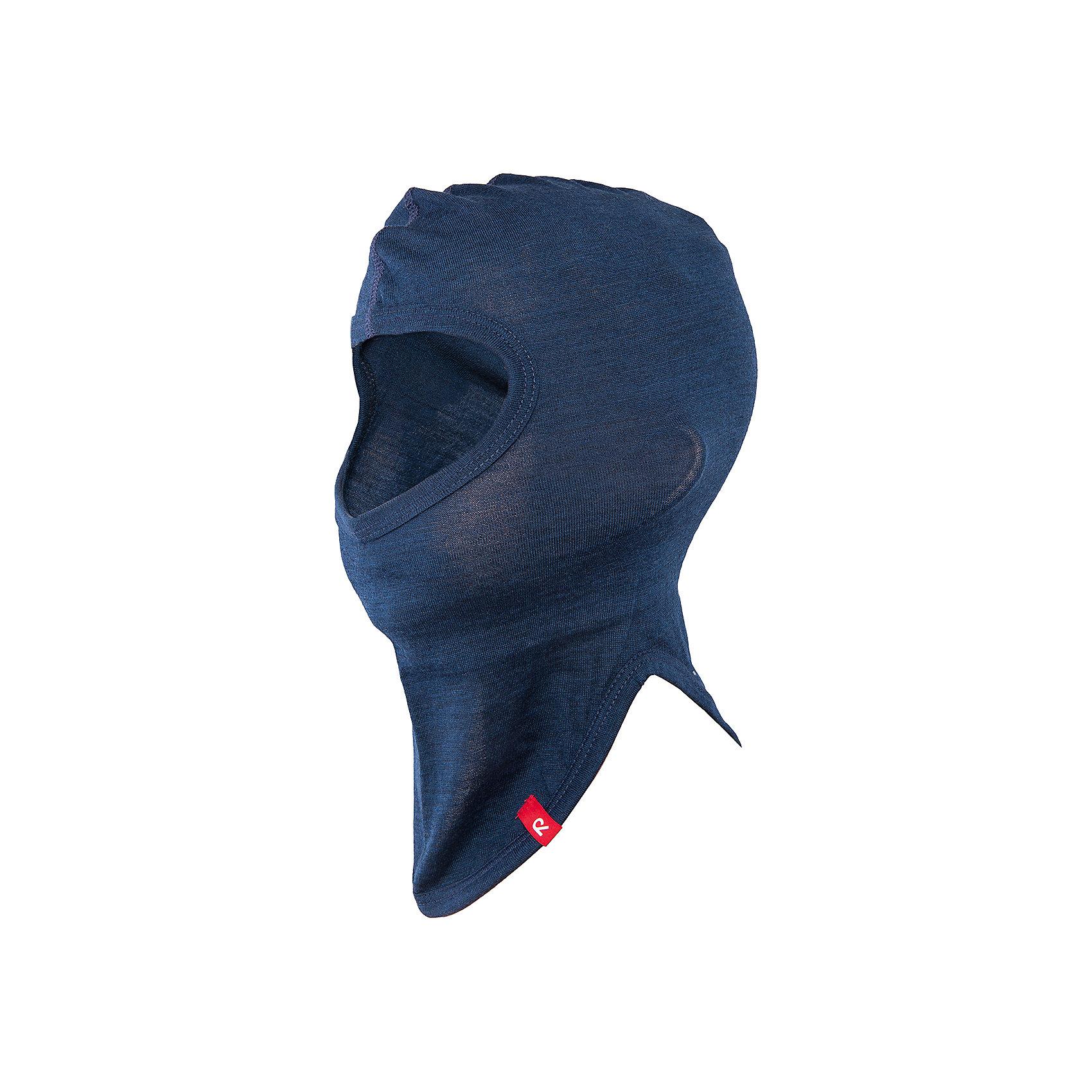 Шапка-шлем Howl ReimaШапки и шарфы<br>Шапка  Reima<br>Шапка-шлем базового слоя для детей. Мягкая ткань из мериносовой шерсти для поддержания идеальной температуры тела. Облегченный материал! Легкий стиль, без подкладки. Логотип Reima® сбоку.<br>Уход:<br>Стирать по отдельности, вывернув наизнанку. Придать первоначальную форму вo влажном виде. Возможна усадка 5 %.<br>Состав:<br>100% Шерсть<br><br>Ширина мм: 89<br>Глубина мм: 117<br>Высота мм: 44<br>Вес г: 155<br>Цвет: синий<br>Возраст от месяцев: 6<br>Возраст до месяцев: 9<br>Пол: Мужской<br>Возраст: Детский<br>Размер: 46,54,50<br>SKU: 4777745