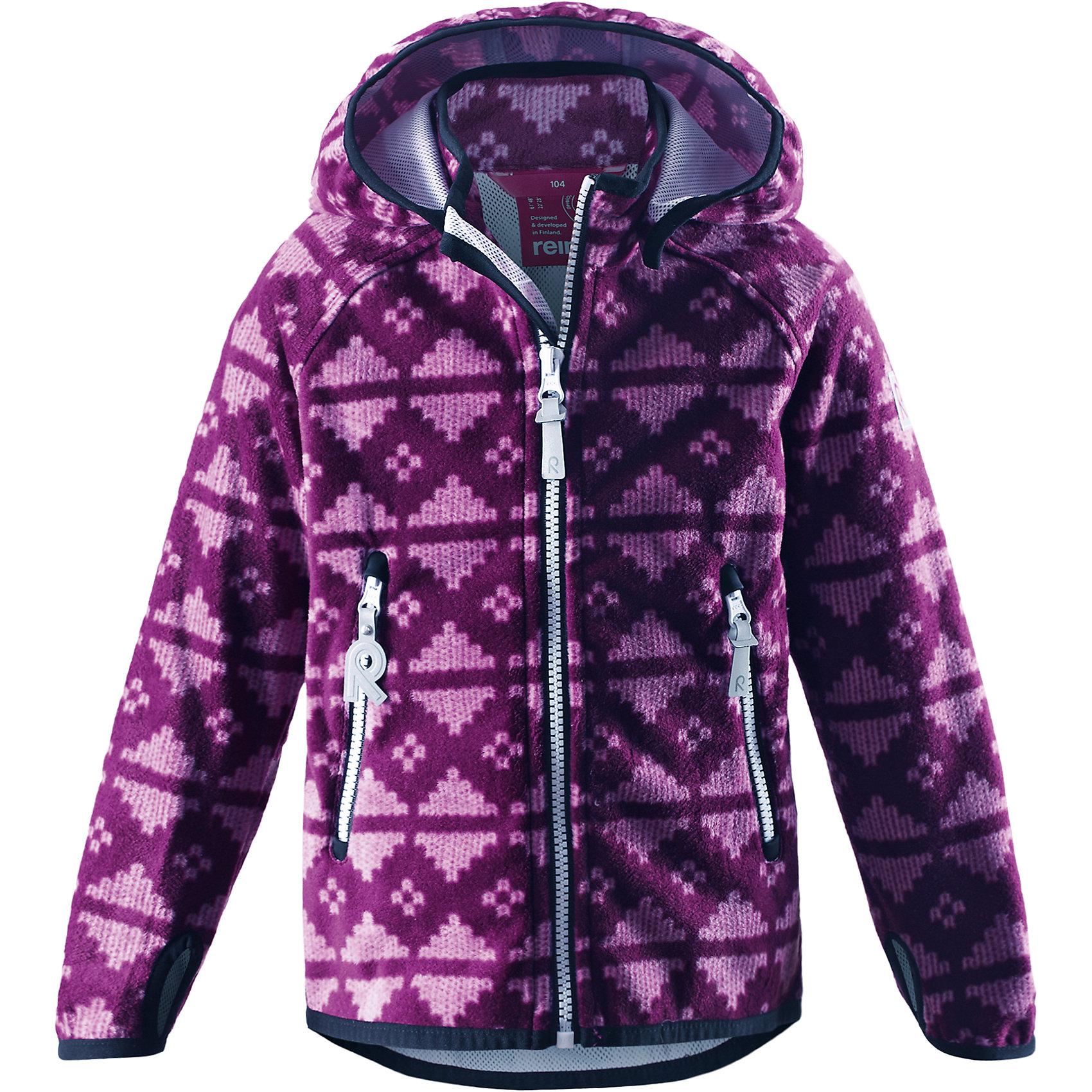 Куртка Ajatus для девочки ReimaОдежда<br>Куртка  Reima<br>Куртка из материала softshell для детей. Из ветронепроницаемого материала, но изделие «дышит». Безопасный, съемный капюшон. Эластичная резинка на кромке капюшона, манжетах и подоле. Два кармана на молнии. Принт по всей поверхности.<br>Уход:<br>Стирать по отдельности. Застегнуть молнии и липучки. Стирать моющим средством, не содержащим отбеливающие вещества. Полоскать без специального средства. Во избежание изменения цвета изделие необходимо вынуть из стиральной машинки незамедлительно после окончания программы стирки. Сушить при низкой температуре.<br>Состав:<br>100% Полиэстер, полиуретановая мембрана<br><br>Ширина мм: 356<br>Глубина мм: 10<br>Высота мм: 245<br>Вес г: 519<br>Цвет: фиолетовый<br>Возраст от месяцев: 60<br>Возраст до месяцев: 72<br>Пол: Женский<br>Возраст: Детский<br>Размер: 116,140,110,134,128,104,122<br>SKU: 4777842
