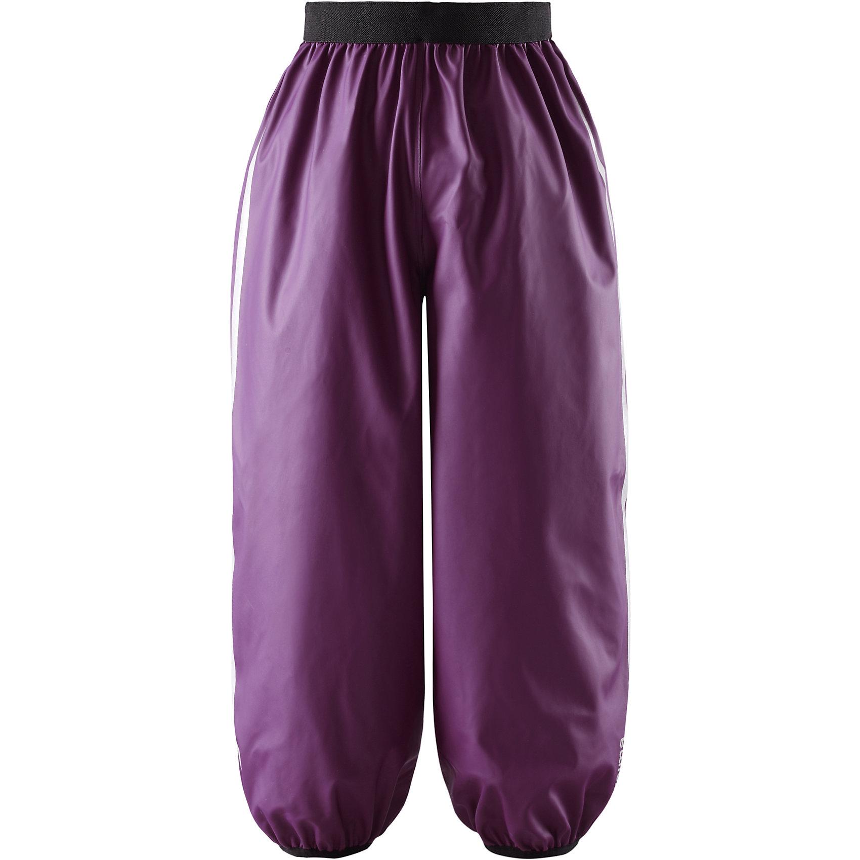 Брюки Oja для девочки ReimaБрюки  Reima<br>Детские брюки для дождливой погоды. Запаянные швы, не пропускающие влагу. Эластичный материал. Без ПХВ. Эластичная талия. Съемные штрипки в размерах от 104 до 128 см. Безопасные светоотражающие детали.<br>Уход:<br>Стирать по отдельности, вывернув наизнанку. Стирать моющим средством, не содержащим отбеливающие вещества. Полоскать без специального средства. Во избежание изменения цвета изделие необходимо вынуть из стиральной машинки незамедлительно после окончания программы стирки. Сушить при низкой температуре.<br>Состав:<br>100% Полиамид, полиуретановое покрытие<br><br>Ширина мм: 215<br>Глубина мм: 88<br>Высота мм: 191<br>Вес г: 336<br>Цвет: фиолетовый<br>Возраст от месяцев: 96<br>Возраст до месяцев: 108<br>Пол: Женский<br>Возраст: Детский<br>Размер: 134,110,116,104,128,122,140<br>SKU: 4777964