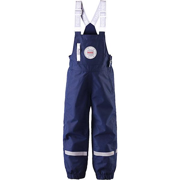 Брюки Sege для мальчика ReimaВерхняя одежда<br>Брюки  Reima<br>Зимние брюки для детей. Основные швы проклеены и не пропускают влагу. Водо- и ветронепроницаемый, «дышащий» и грязеотталкивающий материал. Гладкая подкладка из полиэстра. Эластичный пояс сзади. Эластичные штанины. Съемные эластичные штрипки. Карман на молнии. Регулируемые подтяжки. Безопасные светоотражающие детали.<br>Утеплитель: Reima® Comfortinsulation,80 g<br>Уход:<br>Стирать по отдельности, вывернув наизнанку. Застегнуть молнии и липучки. Стирать моющим средством, не содержащим отбеливающие вещества. Полоскать без специального средства. Во избежание изменения цвета изделие необходимо вынуть из стиральной машинки незамедлительно после окончания программы стирки. Сушить при низкой температуре.<br>Состав:<br>100% Полиамид, полиуретановое покрытие<br>Ширина мм: 215; Глубина мм: 88; Высота мм: 191; Вес г: 336; Цвет: синий; Возраст от месяцев: 36; Возраст до месяцев: 48; Пол: Мужской; Возраст: Детский; Размер: 104,128,92,98,122,110,116; SKU: 4778051;