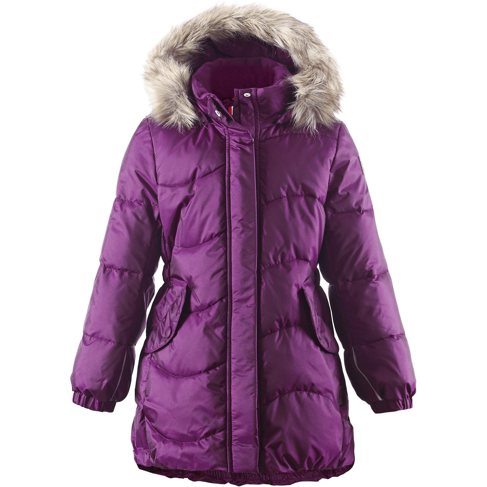 Пальто Sula для девочки ReimaПальто для девочки Reima<br>Зимняя куртка для подростков. Водоотталкивающий, ветронепроницаемый, «дышащий» и грязеотталкивающий материал. Крой для девочек. Гладкая подкладка из полиэстра. Имитация пуха. Безопасный съемный капюшон с отсоединяемой меховой каймой из искусственного меха. Эластичные манжеты. Эластичная талия. Два кармана с клапанами. Безопасные светоотражающие элементы. Петля для дополнительных светоотражающих деталей.<br>Утеплитель: Reima® Pearl insulation,170 g<br>Уход:<br>Стирать по отдельности, вывернув наизнанку. Перед стиркой отстегните искусственный мех. Застегнуть молнии и липучки. Стирать моющим средством, не содержащим отбеливающие вещества. Полоскать без специального средства. Во избежание изменения цвета изделие необходимо вынуть из стиральной машинки незамедлительно после окончания программы стирки. Сушить при низкой температуре.<br>Состав:<br>65% Полиамид, 35% Полиэстер, полиуретановое покрытие<br><br>Ширина мм: 356<br>Глубина мм: 10<br>Высота мм: 245<br>Вес г: 519<br>Цвет: фиолетовый<br>Возраст от месяцев: 36<br>Возраст до месяцев: 48<br>Пол: Женский<br>Возраст: Детский<br>Размер: 104,140,164,134,122,128,116,158,146,152,110<br>SKU: 4778255