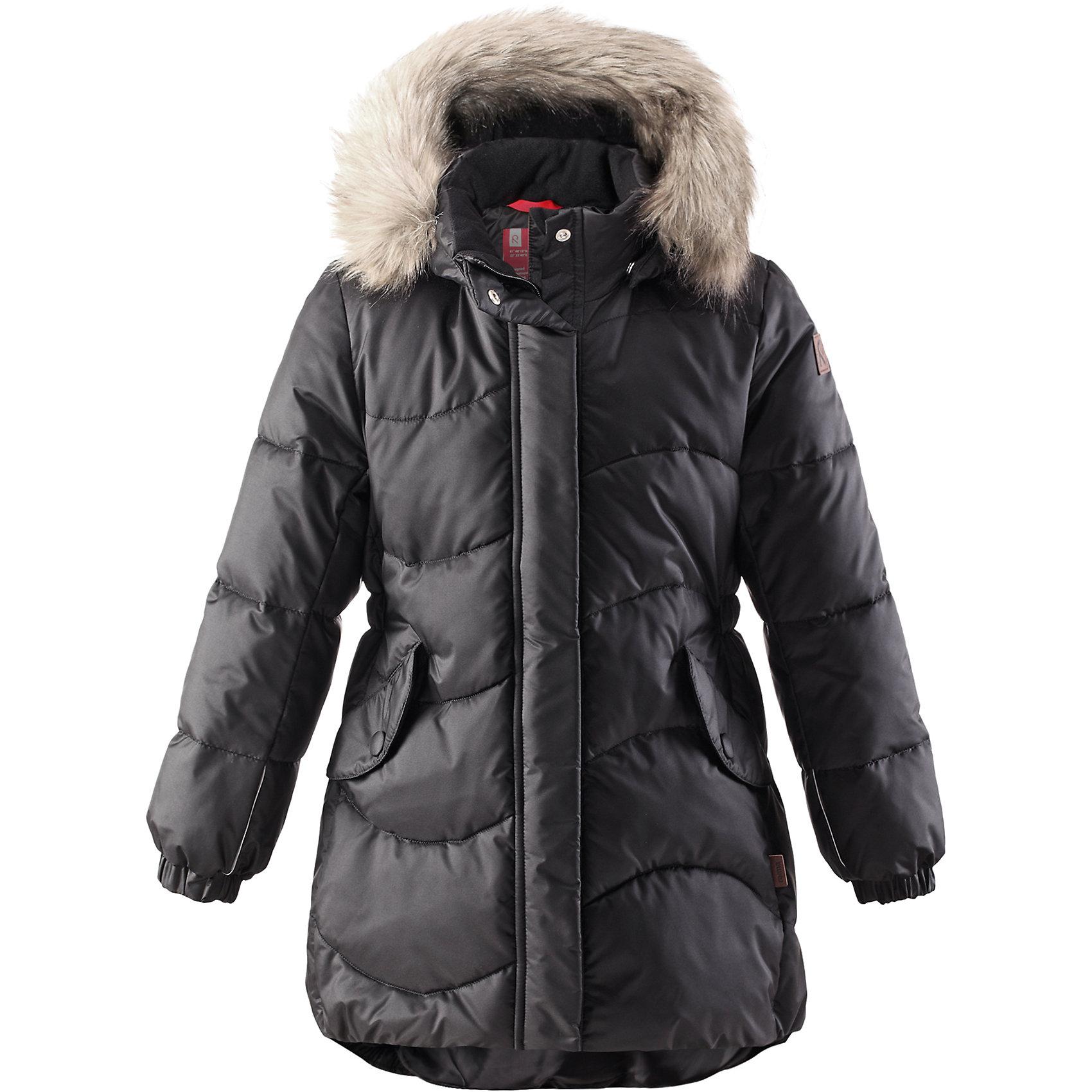 Пальто Sula для девочки ReimaПальто для девочки Reima<br>Зимняя куртка для подростков. Водоотталкивающий, ветронепроницаемый, «дышащий» и грязеотталкивающий материал. Крой для девочек. Гладкая подкладка из полиэстра. Имитация пуха. Безопасный съемный капюшон с отсоединяемой меховой каймой из искусственного меха. Эластичные манжеты. Эластичная талия. Два кармана с клапанами. Безопасные светоотражающие элементы. Петля для дополнительных светоотражающих деталей.<br>Утеплитель: Reima® Pearl insulation,170 g<br>Уход:<br>Стирать по отдельности, вывернув наизнанку. Перед стиркой отстегните искусственный мех. Застегнуть молнии и липучки. Стирать моющим средством, не содержащим отбеливающие вещества. Полоскать без специального средства. Во избежание изменения цвета изделие необходимо вынуть из стиральной машинки незамедлительно после окончания программы стирки. Сушить при низкой температуре.<br>Состав:<br>65% Полиамид, 35% Полиэстер, полиуретановое покрытие<br><br>Ширина мм: 356<br>Глубина мм: 10<br>Высота мм: 245<br>Вес г: 519<br>Цвет: черный<br>Возраст от месяцев: 72<br>Возраст до месяцев: 84<br>Пол: Женский<br>Возраст: Детский<br>Размер: 122,116,164,146,104,128,140,158,110,152,134<br>SKU: 4778267