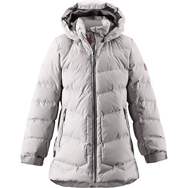 Куртка Likka для девочки ReimaОдежда<br>Куртка для девочки Reima<br>Пуховая куртка для подростков. Водоотталкивающий, ветронепроницаемый, «дышащий» и грязеотталкивающий материал. Крой для девочек. Гладкая подкладка из полиэстра. В качестве утеплителя использованы пух и перо (60%/40%). Безопасный, съемный капюшон. Регулируемый манжет на липучке. Эластичная талия. Два кармана на молнии. Безопасные светоотражающие детали. Петля для дополнительных светоотражающих деталей.<br>Уход:<br>Стирать по отдельности, вывернув наизнанку. Застегнуть молнии и липучки. Стирать моющим средством, не содержащим отбеливающие вещества. Полоскать без специального средства. Во избежание изменения цвета изделие необходимо вынуть из стиральной машинки незамедлительно после окончания программы стирки. Барабанное сушение при низкой температуре с 3 теннисными мячиками. Выверните изделие наизнанку в середине сушки.<br>Состав:<br>100% Полиамид, полиуретановое покрытие<br><br>Ширина мм: 356<br>Глубина мм: 10<br>Высота мм: 245<br>Вес г: 519<br>Цвет: серый<br>Возраст от месяцев: 48<br>Возраст до месяцев: 60<br>Пол: Женский<br>Возраст: Детский<br>Размер: 116,146,164,140,122,158,104,128,134,152,110<br>SKU: 4778351