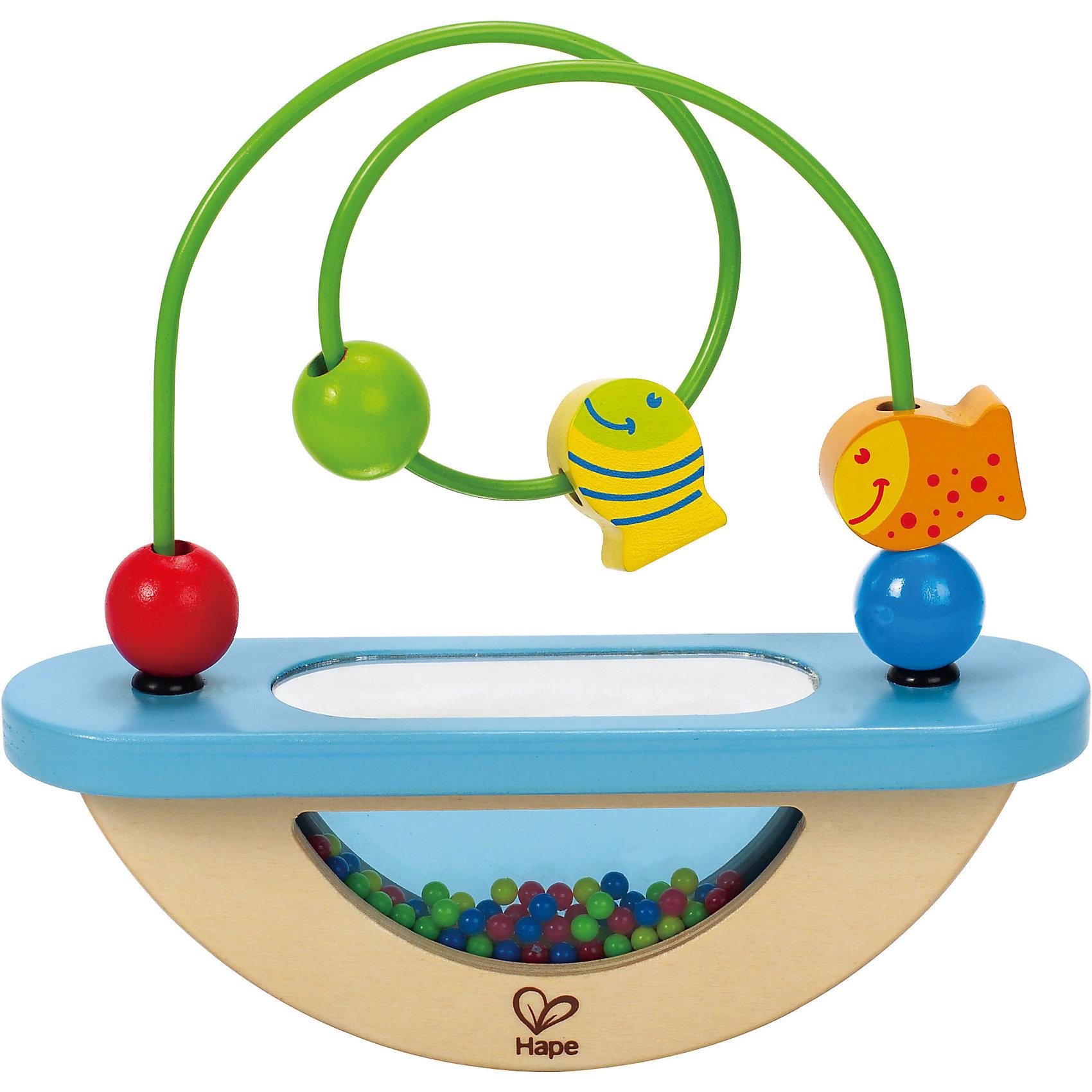 Развивающая игрушка Лабиринт, HapeЛабиринт - это развивающая игрушка для малышей, которая улучшит мелкую моторику и координацию пальчиков. Ее можно раскачивать как качели и передвигать рыбок с бусинками по спирали. Играя в эту игру, ребенок научится фокусировать взгляд на мелких движущихся объектах и деталях.<br><br>Дополнительная информация:<br><br>- Возраст: от 1 года до 2 лет<br>- Материал: дерево, металл<br>- Размер: 20х6х18 см<br>- Вес: 0.4 кг<br><br>Развивающую игрушку Лабиринт, Hape можно купить в нашем интернет-магазине.<br><br>Ширина мм: 200<br>Глубина мм: 60<br>Высота мм: 185<br>Вес г: 400<br>Возраст от месяцев: 12<br>Возраст до месяцев: 36<br>Пол: Унисекс<br>Возраст: Детский<br>SKU: 4779527