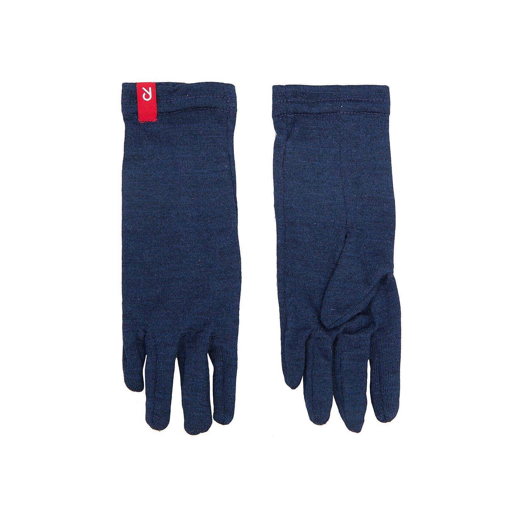 Перчатки Sledder ReimaПерчатки и варежки<br>Перчатки  Reima<br>Демисезонные перчатки для детей. Мягкая ткань из мериносовой шерсти для поддержания идеальной температуры тела. Облегченный материал! Легкий стиль, без подкладки. Логотип Reima® спереди.<br>Уход:<br>Стирать по отдельности, вывернув наизнанку. Придать первоначальную форму вo влажном виде. Возможна усадка 5 %.<br>Состав:<br>100% Шерсть<br><br>Ширина мм: 162<br>Глубина мм: 171<br>Высота мм: 55<br>Вес г: 119<br>Цвет: синий<br>Возраст от месяцев: 144<br>Возраст до месяцев: 168<br>Пол: Унисекс<br>Возраст: Детский<br>Размер: 8,3,4,5,6,7<br>SKU: 4779744