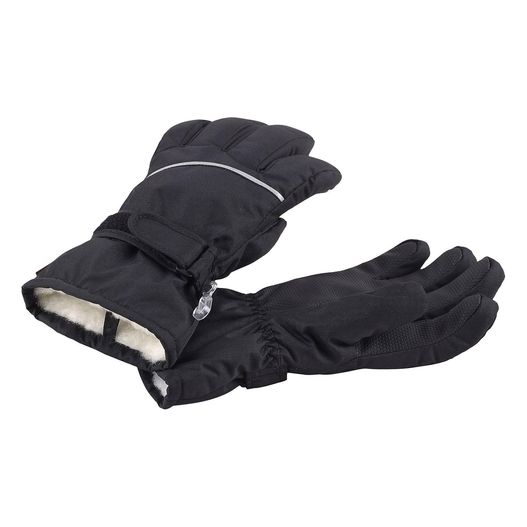 Перчатки Harald для мальчика ReimaПерчатки  Reima<br>Зимние перчатки для детей. Водонепроницаемый материал, вставки отсутствуют — товар не является водонепроницаемым. Водо- и ветронепроницаемый и грязеотталкивающий материал. Накладки на ладонях, кончиках пальцев и больших пальцах. Теплая ворсистая подкладка из ткани из смеси шерсти. Средняя степень утепления. Простая застежка на липучке. Логотип Reima® сбоку. Светоотражающие полосы.<br>Утеплитель: Reima® Comfortinsulation,80 g<br>Уход:<br>Стирать по отдельности. Стирать моющим средством, не содержащим отбеливающие вещества. Полоскать без специального средства. Сушить при низкой температуре. <br>Состав:<br>100% Полиамид, полиуретановое покрытие<br><br>Ширина мм: 162<br>Глубина мм: 171<br>Высота мм: 55<br>Вес г: 119<br>Цвет: черный<br>Возраст от месяцев: 144<br>Возраст до месяцев: 168<br>Пол: Мужской<br>Возраст: Детский<br>Размер: 8,3,4,5,6,7<br>SKU: 4779771