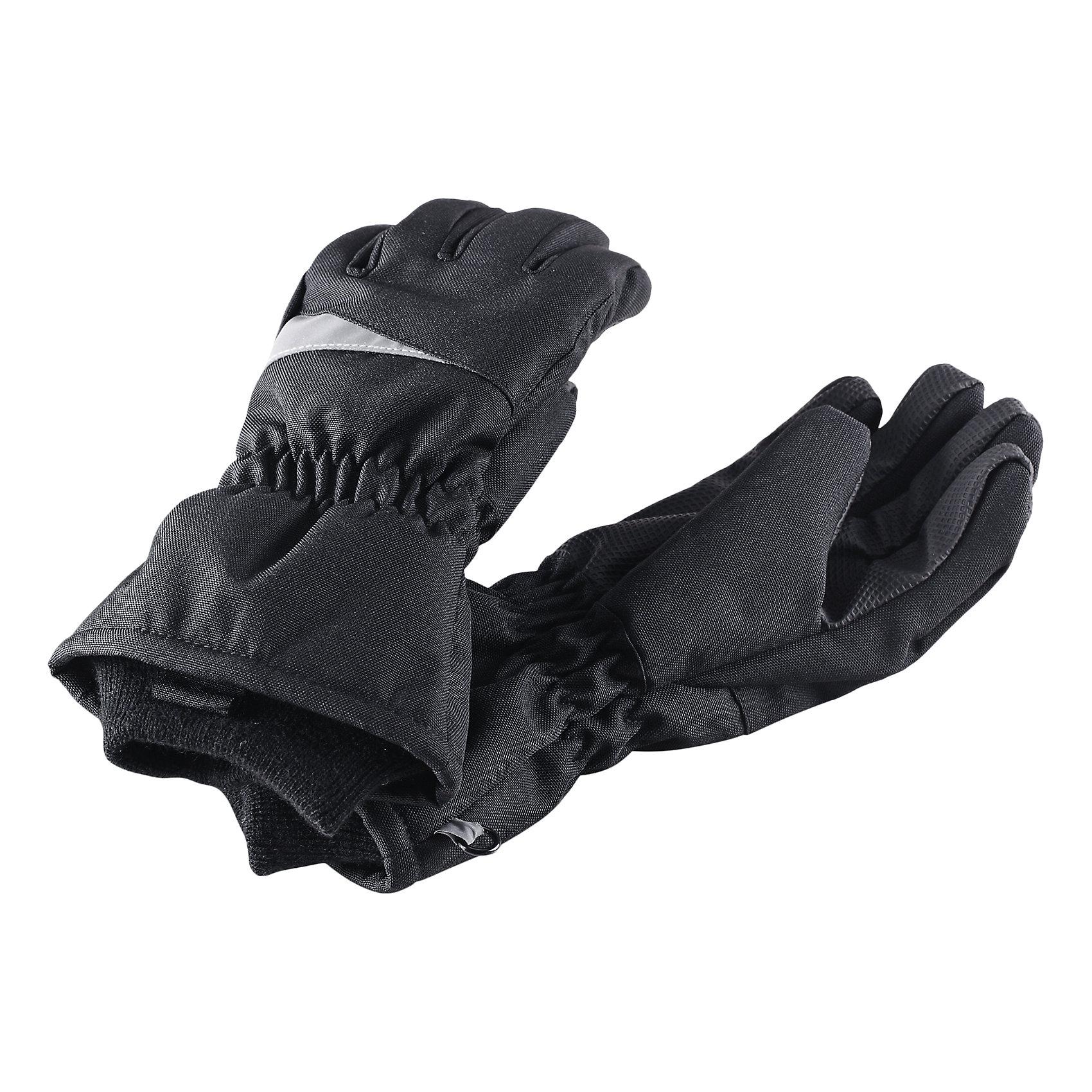 Перчатки для мальчика LASSIEПерчатки и варежки<br>Зимние перчатки для детей Lassietec®.<br><br>- Сверхпрочный материал. Водонепроницаемая вставка. Водо- и ветронепроницаемый «дышащий» материал.<br>- Накладки на ладонях и больших пальцах.<br>- Подкладка из полиэстера с начесом. <br>- Средняя степень утепления.<br>-  Безопасные светоотражающие детали. Светоотражающая эмблема Lassie®.<br><br> Рекомендации по уходу: Полоскать без специального средства. Сушить при низкой температуре.<br><br> Состав: 100% Полиамид, полиуретановое покрытие.  Утеплитель «Lassie wadding» 120гр.<br><br>Ширина мм: 162<br>Глубина мм: 171<br>Высота мм: 55<br>Вес г: 119<br>Цвет: черный<br>Возраст от месяцев: 120<br>Возраст до месяцев: 144<br>Пол: Мужской<br>Возраст: Детский<br>Размер: 6,3,4,5<br>SKU: 4780588