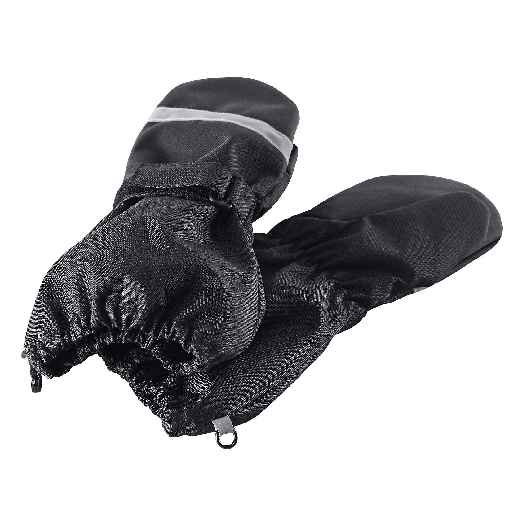 Варежки для мальчика LASSIEЗимние перчатки для малышей известной финской марки.<br><br>- Сверхпрочный материал. Водоотталкивающий, ветронепроницаемый и грязеотталкивающий материал.<br>-  Подкладка из полиэстера с начесом. Средняя степень утепления. <br>- Простая застежка на липучке. <br>- Безопасные светоотражающие детали. Светоотражающая эмблема Lassie®.  <br><br>Рекомендации по уходу: Полоскать без специального средства. Сушить при низкой температуре. <br><br>Состав: 100% Полиамид, полиуретановое покрытие.  Утеплитель «Lassie wadding» 120гр.<br><br>Ширина мм: 162<br>Глубина мм: 171<br>Высота мм: 55<br>Вес г: 119<br>Цвет: черный<br>Возраст от месяцев: 72<br>Возраст до месяцев: 96<br>Пол: Мужской<br>Возраст: Детский<br>Размер: 5,2,3,4<br>SKU: 4780633