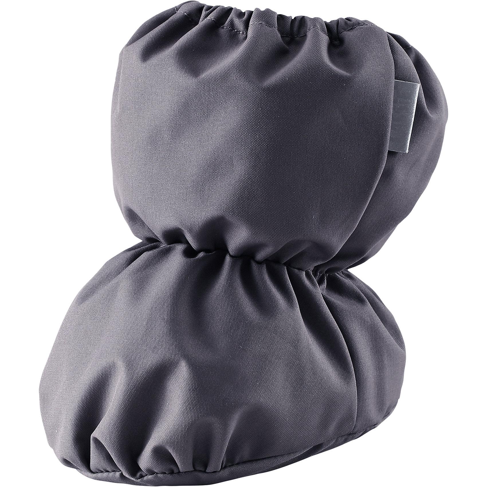 Пинетки для мальчика LASSIEОбувь для малышей<br>Пинетки для самых маленьких известной финской марки.<br><br>- Водоотталкивающий, ветронепроницаемый и грязеотталкивающий материал.<br><br>- Мягкая теплая подкладка из флиса. <br>- Легкая степень утепления. <br>- Светоотражающая эмблема Lassie®. <br><br>Рекомендации по уходу: Полоскать без специального средства. Сушить при низкой температуре. <br><br>Состав: 100% Полиамид, полиуретановое покрытие.  Утеплитель «Lassie wadding» 140гр.<br><br>Ширина мм: 162<br>Глубина мм: 171<br>Высота мм: 55<br>Вес г: 119<br>Цвет: серый<br>Возраст от месяцев: 0<br>Возраст до месяцев: 6<br>Пол: Унисекс<br>Возраст: Детский<br>Размер: 0<br>SKU: 4780946