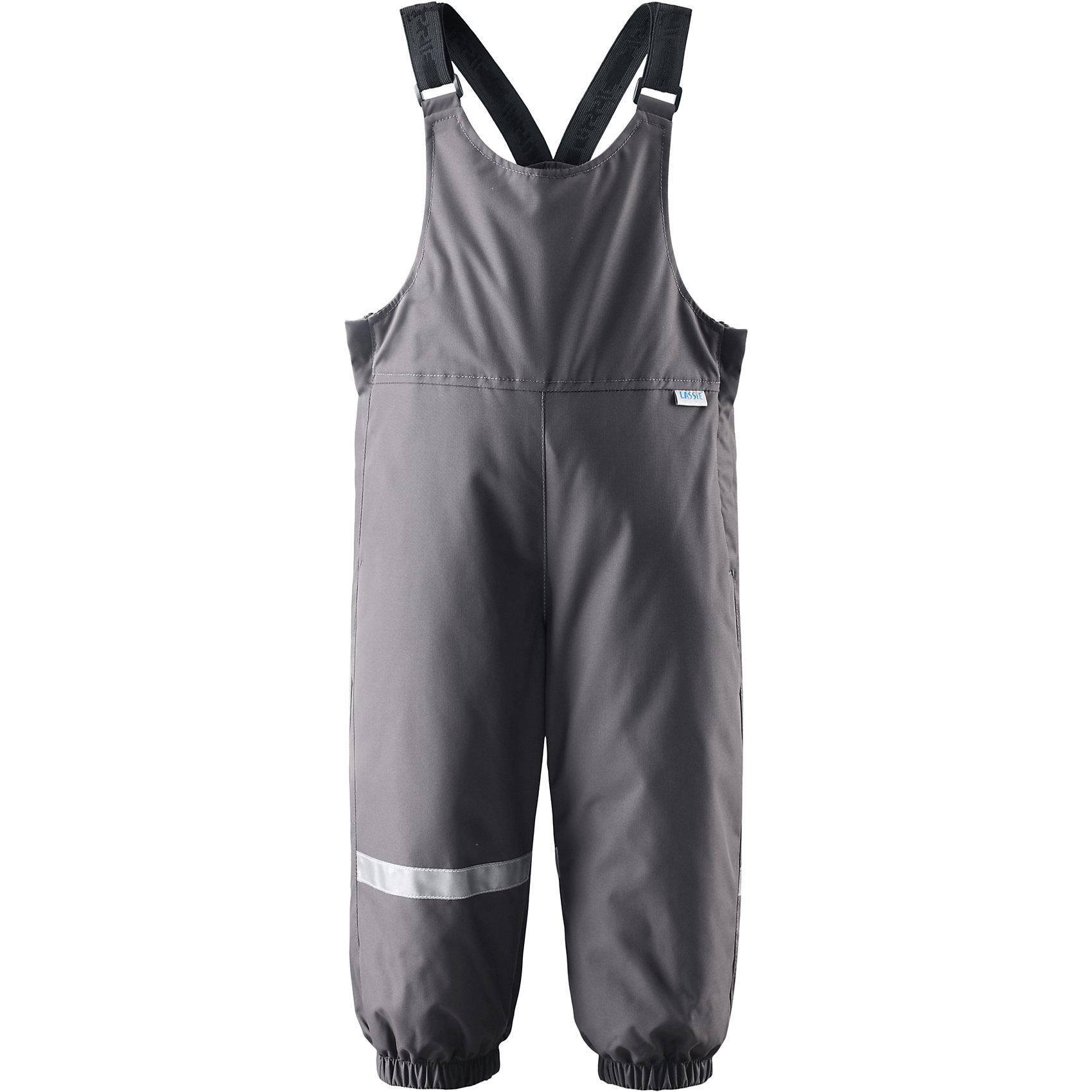 Брюки LASSIEВерхняя одежда<br>Зимние брюки для малышей известной финской марки.<br><br>- Водоотталкивающий, ветронепроницаемый, «дышащий» и грязеотталкивающий материал.<br>- Задний серединный шов проклеен.<br>- Мягкая теплая подкладка из флиса. <br>- Гладкая подкладка из полиэстра. <br>- Средняя степень утепления. <br>- Эластичные штанины. <br>- Съемные эластичные штрипки. <br>- Легко надевать благодаря молнии.<br>-  Регулируемые подтяжки.<br><br>Рекомендации по уходу: Стирать по отдельности, вывернув наизнанку. Застегнуть молнии и липучки. Соблюдать температуру в соответствии с руководством по уходу. Стирать моющим средством, не содержащим отбеливающие вещества. Полоскать без специального средства. Сушение в сушильном шкафу разрешено при  низкой температуре.<br><br>Состав: 100% Полиамид, полиуретановое покрытие.  Утеплитель «Lassie wadding» 140гр.<br><br>Ширина мм: 215<br>Глубина мм: 88<br>Высота мм: 191<br>Вес г: 336<br>Цвет: серый<br>Возраст от месяцев: 12<br>Возраст до месяцев: 15<br>Пол: Унисекс<br>Возраст: Детский<br>Размер: 80,74,86,92,98<br>SKU: 4781502